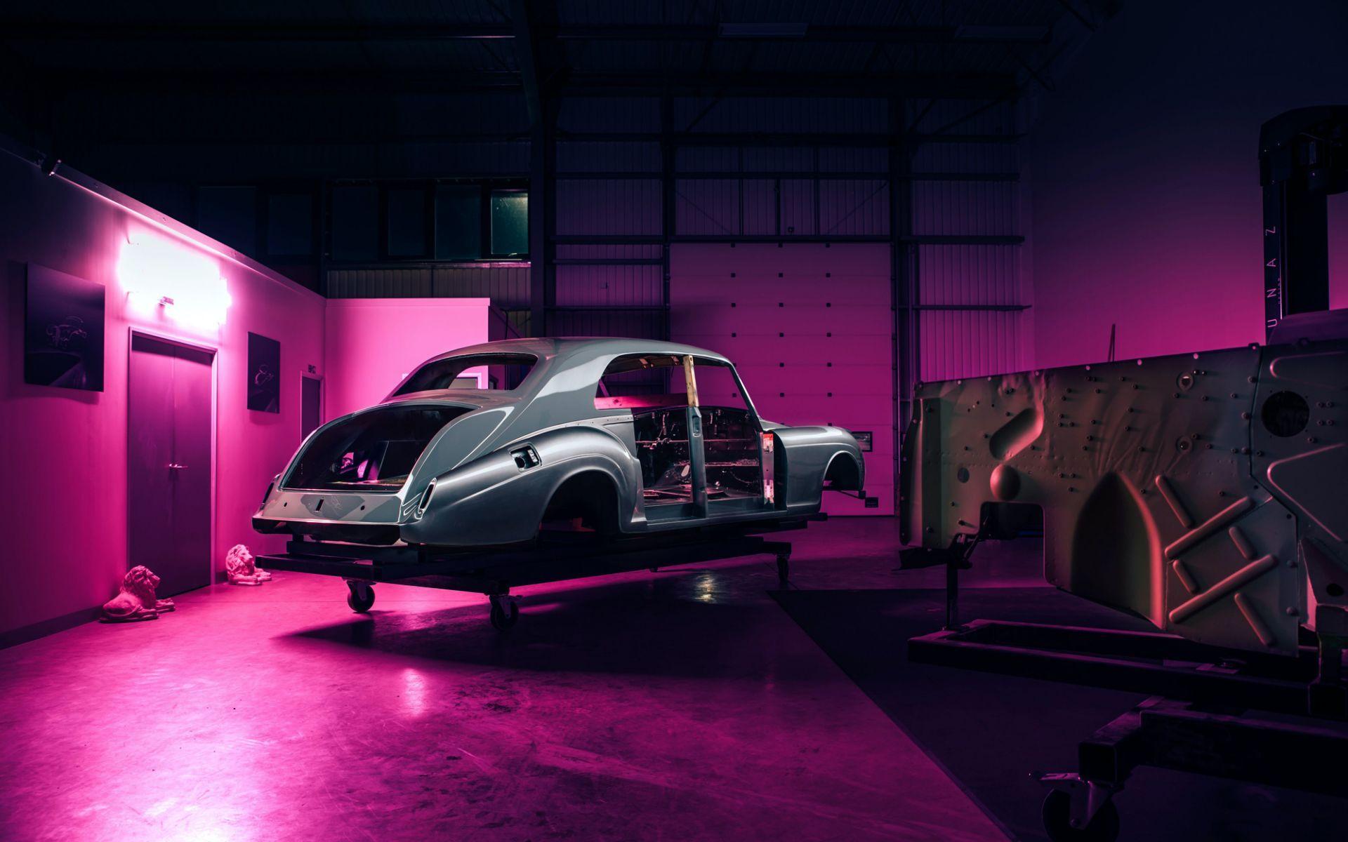 Electris-Rolls-Royce-Phantom-V-and-Silver-Cloud-by-Lunaz-25