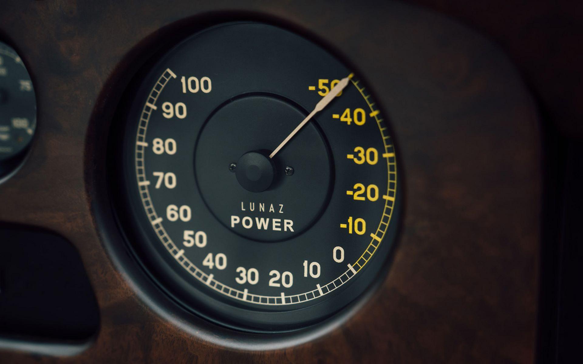 Electris-Rolls-Royce-Phantom-V-and-Silver-Cloud-by-Lunaz-26