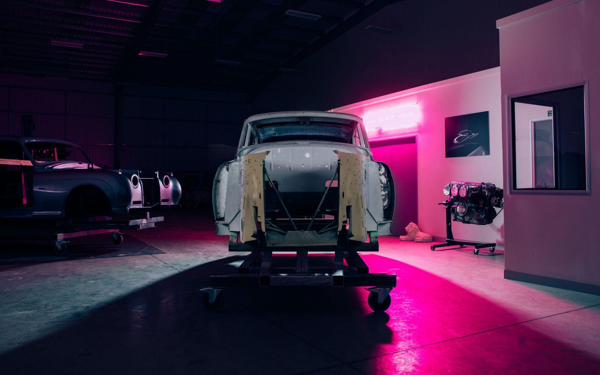 Electris-Rolls-Royce-Phantom-V-and-Silver-Cloud-by-Lunaz-3
