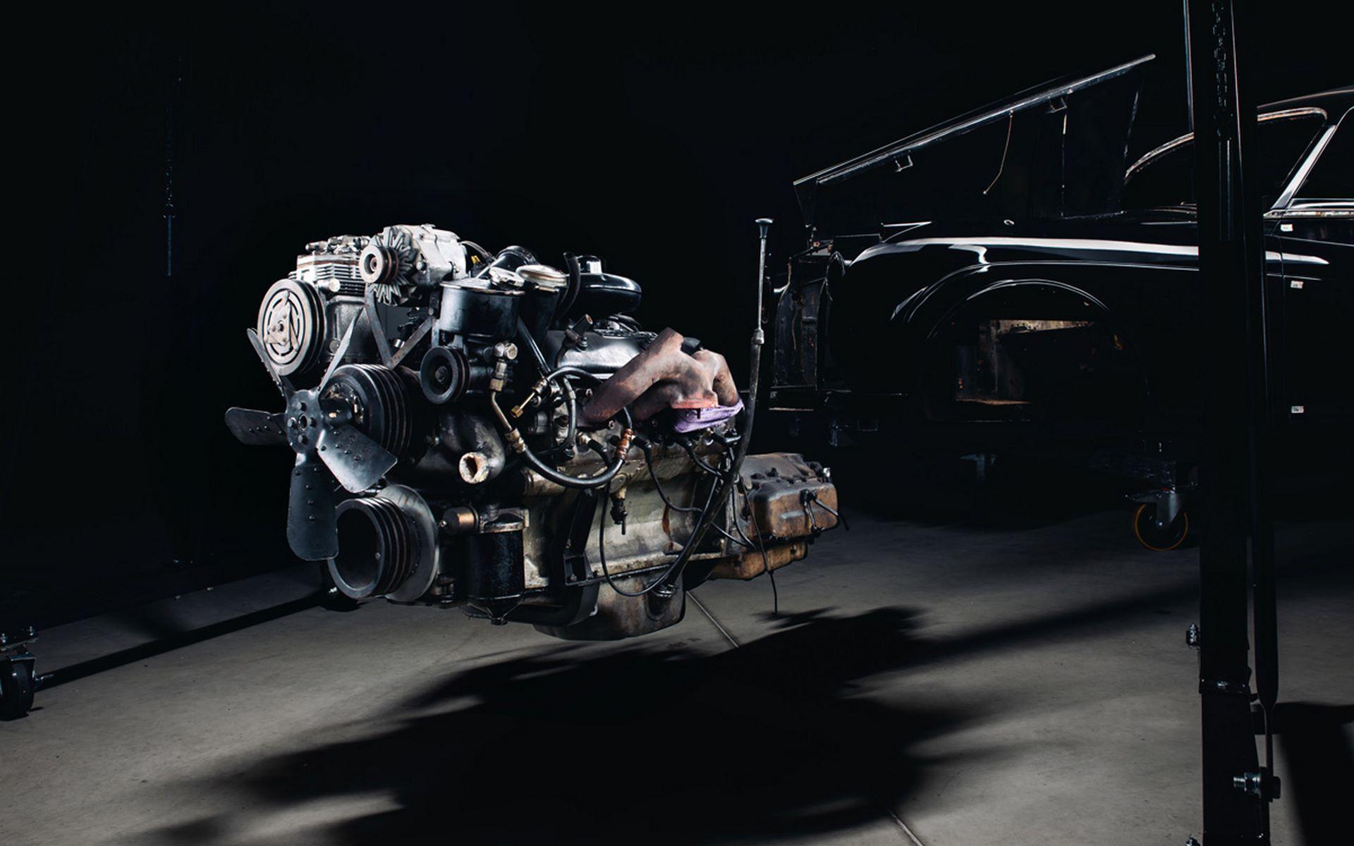 Electris-Rolls-Royce-Phantom-V-and-Silver-Cloud-by-Lunaz-30