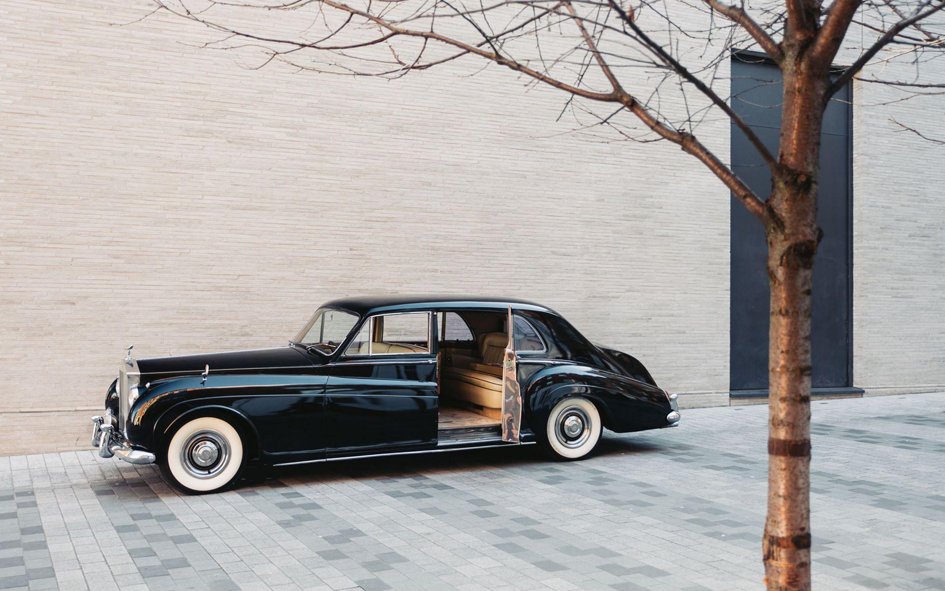 Electris-Rolls-Royce-Phantom-V-and-Silver-Cloud-by-Lunaz-33