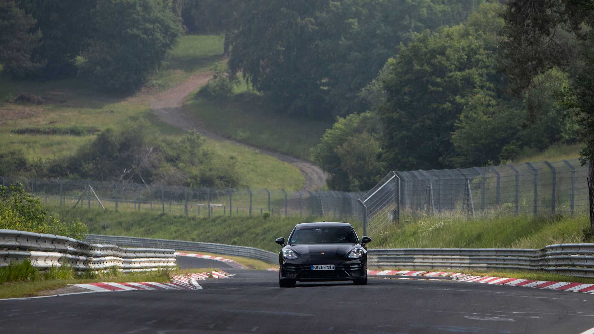 2021-porsche-panamera-sets-fastest-four-door-porsche-record-at-the-nurburgring-6