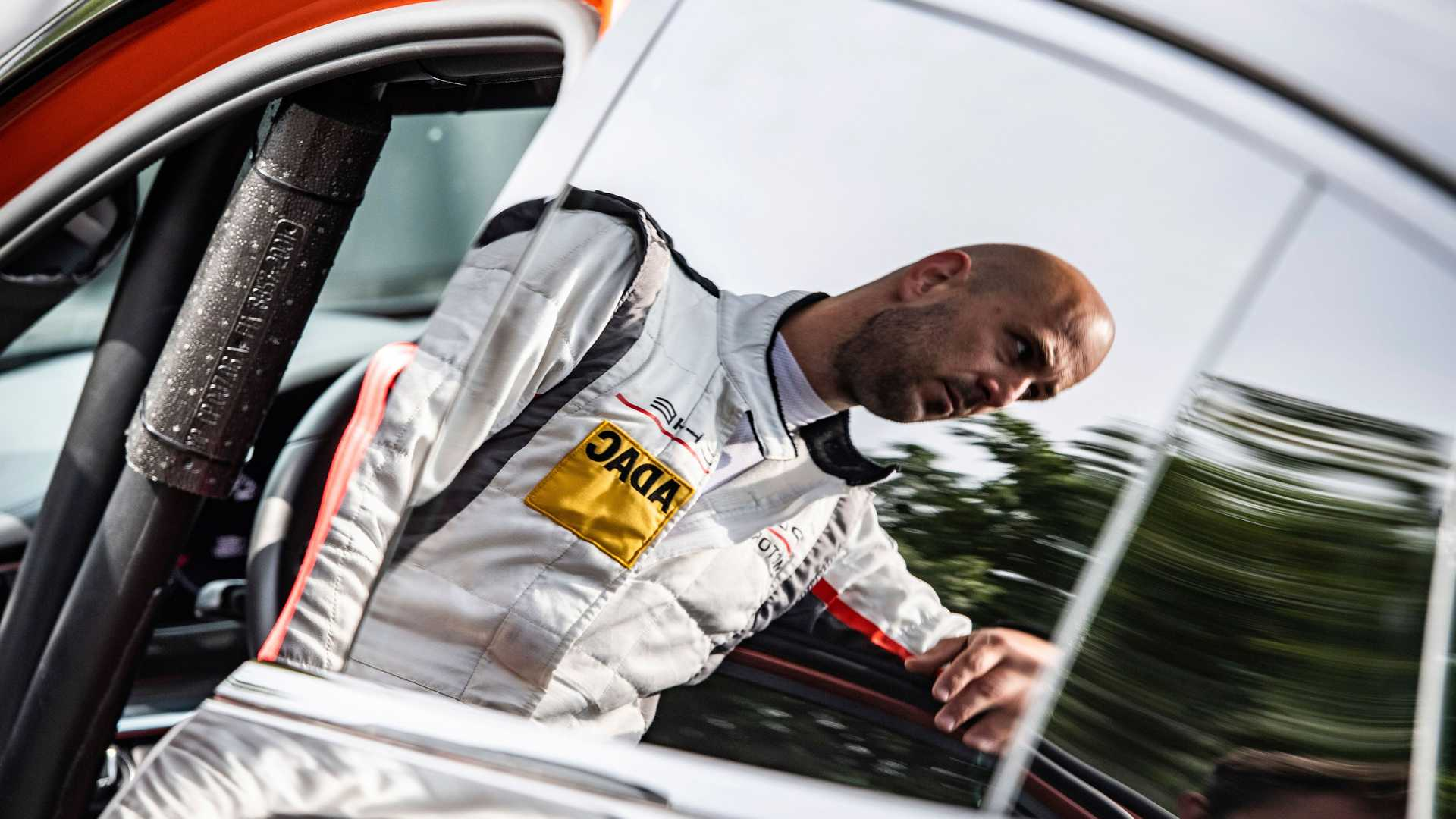 2021-porsche-panamera-sets-fastest-four-door-porsche-record-at-the-nurburgring-9