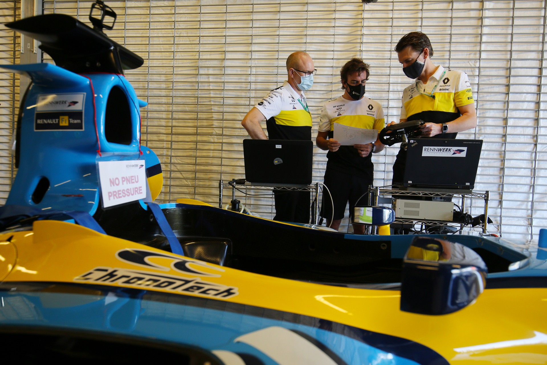 Alonso_Renault_RS25_0000