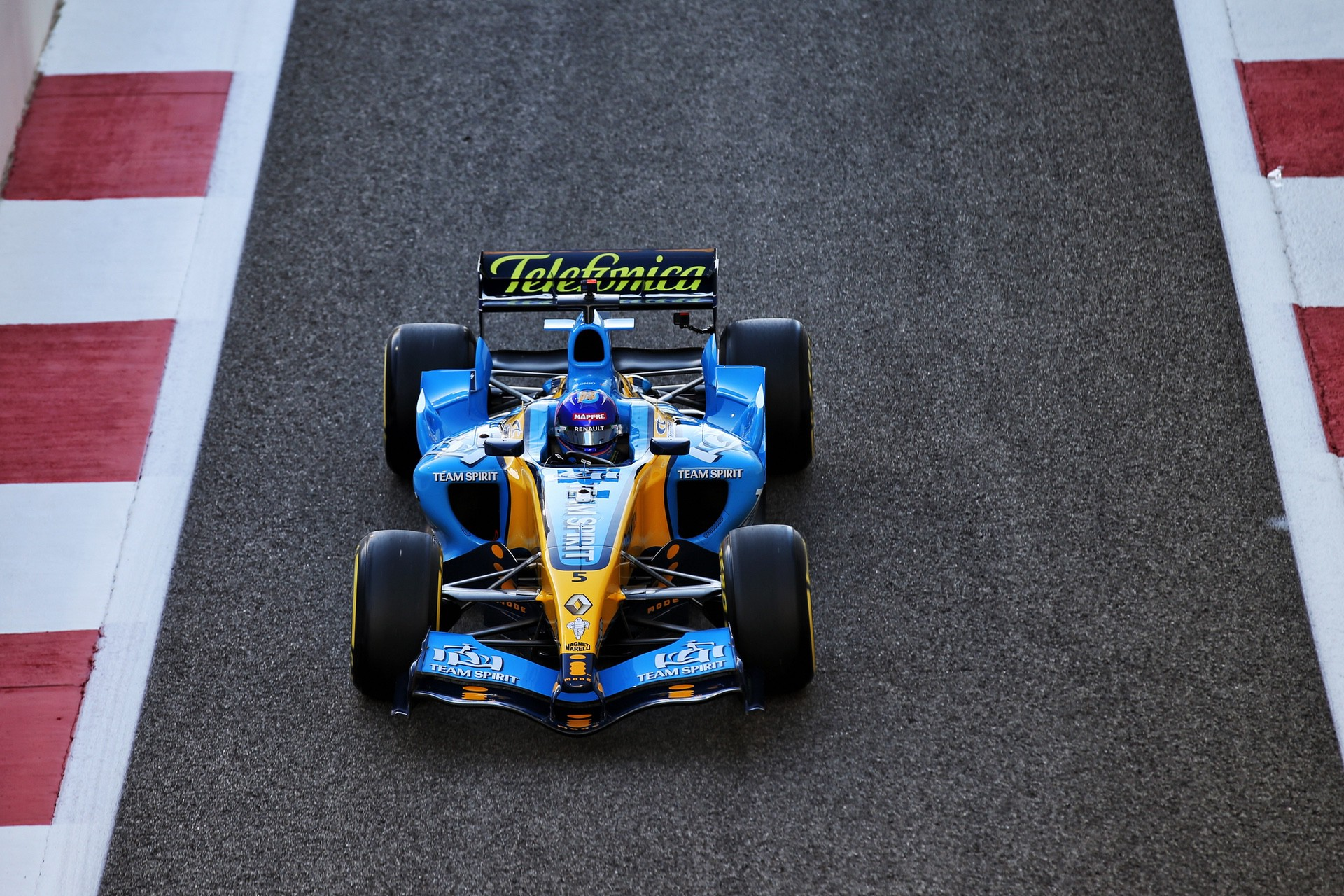 Alonso_Renault_RS25_0003