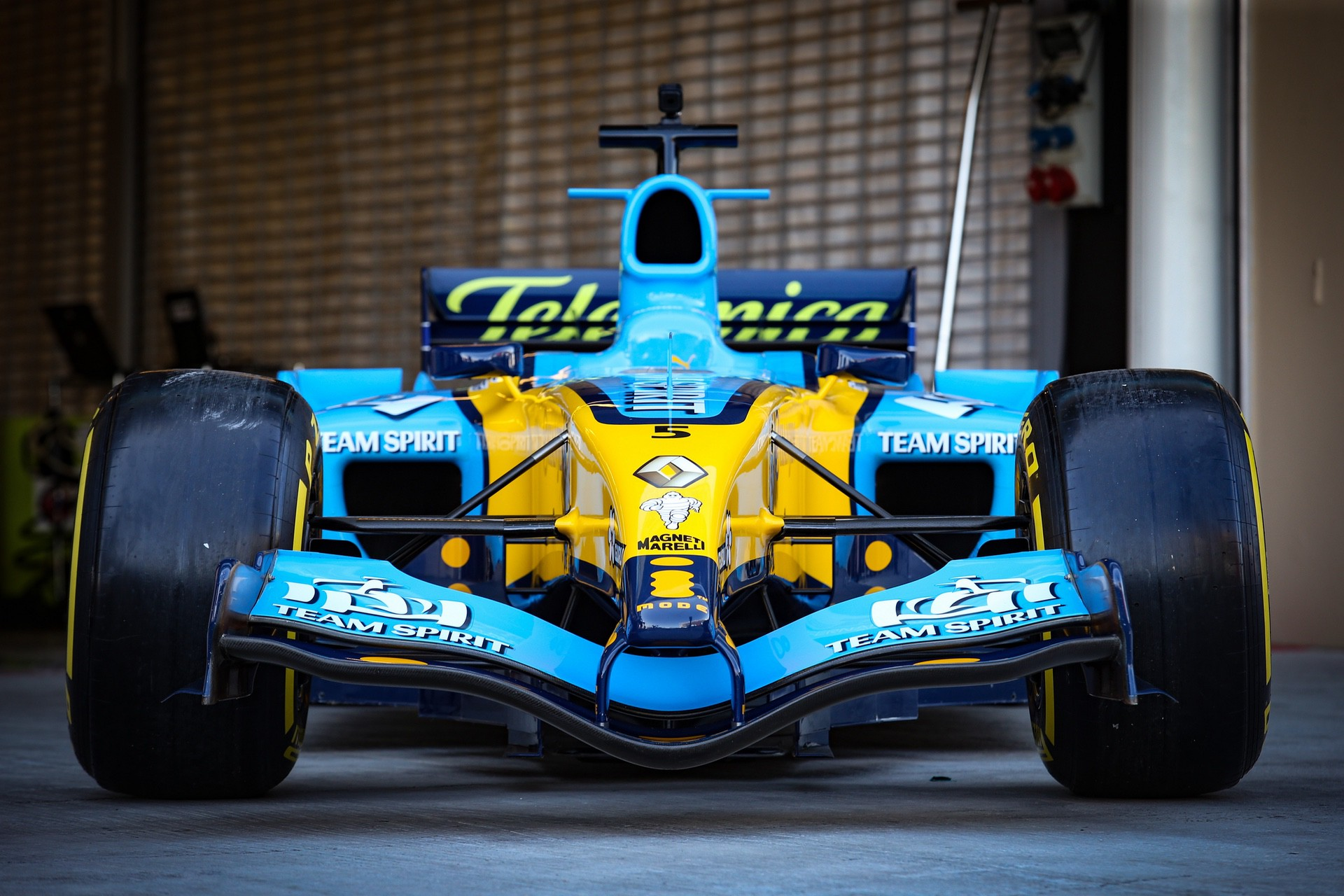 Alonso_Renault_RS25_0004