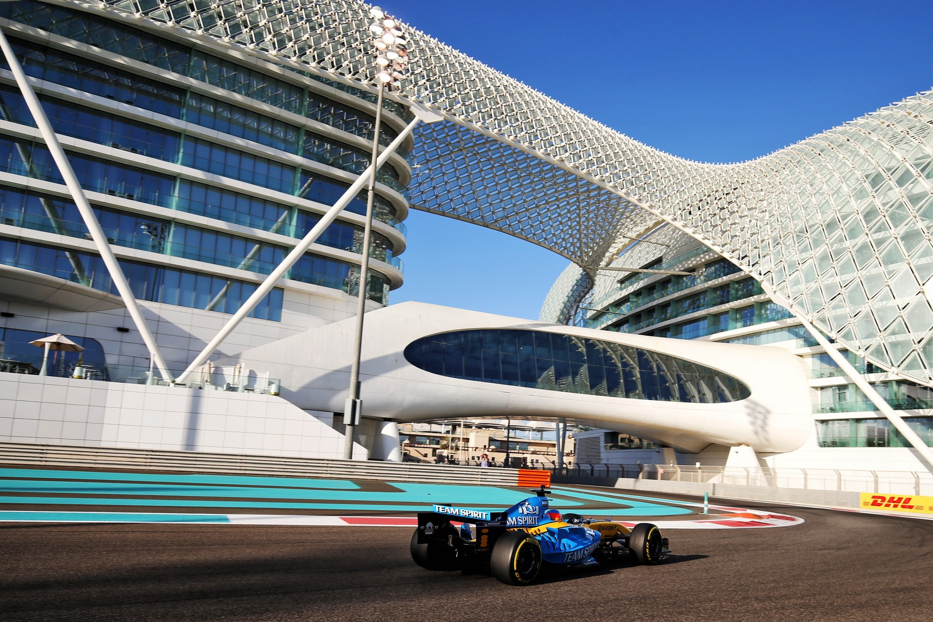 Alonso_Renault_RS25_0007