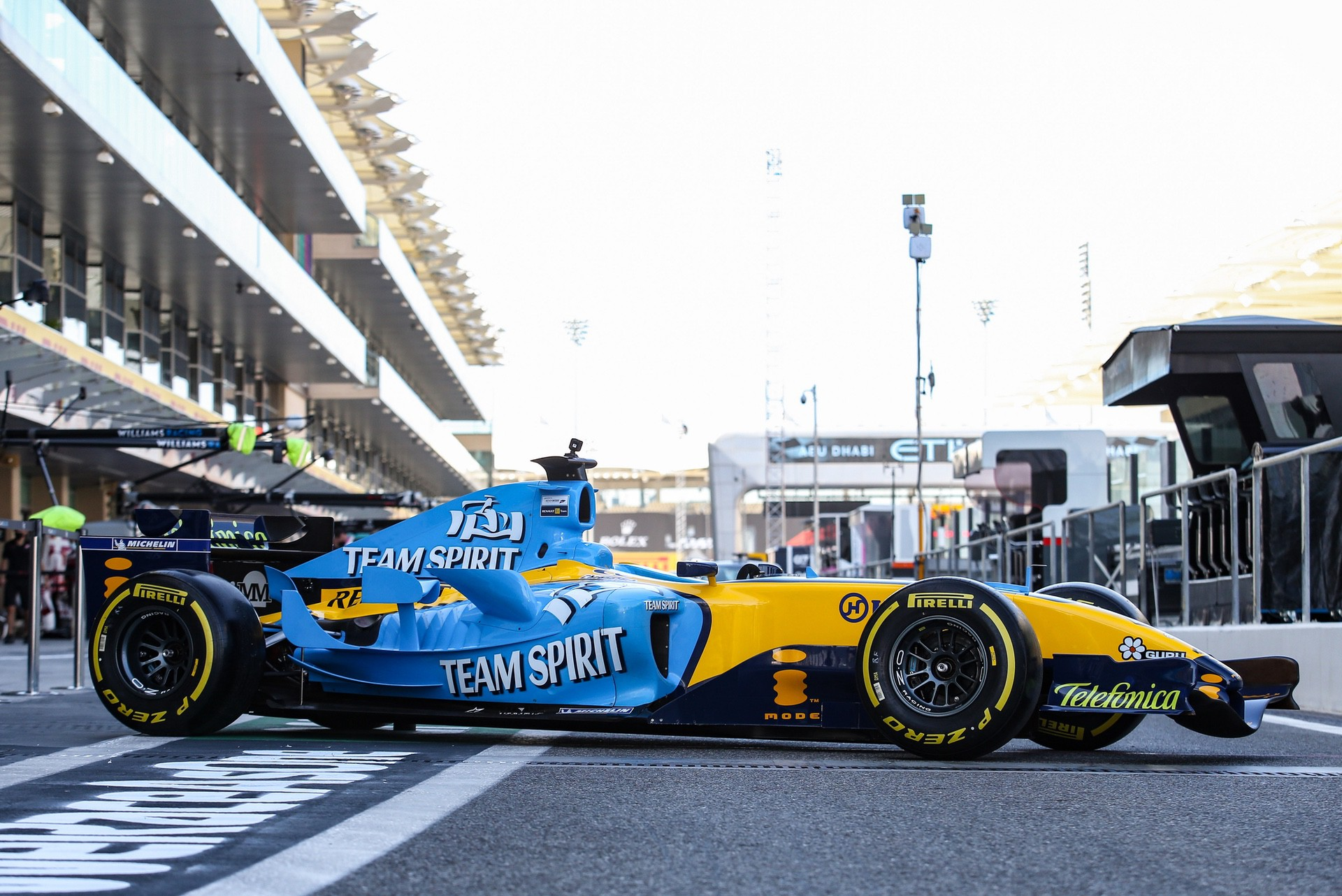 Alonso_Renault_RS25_0008