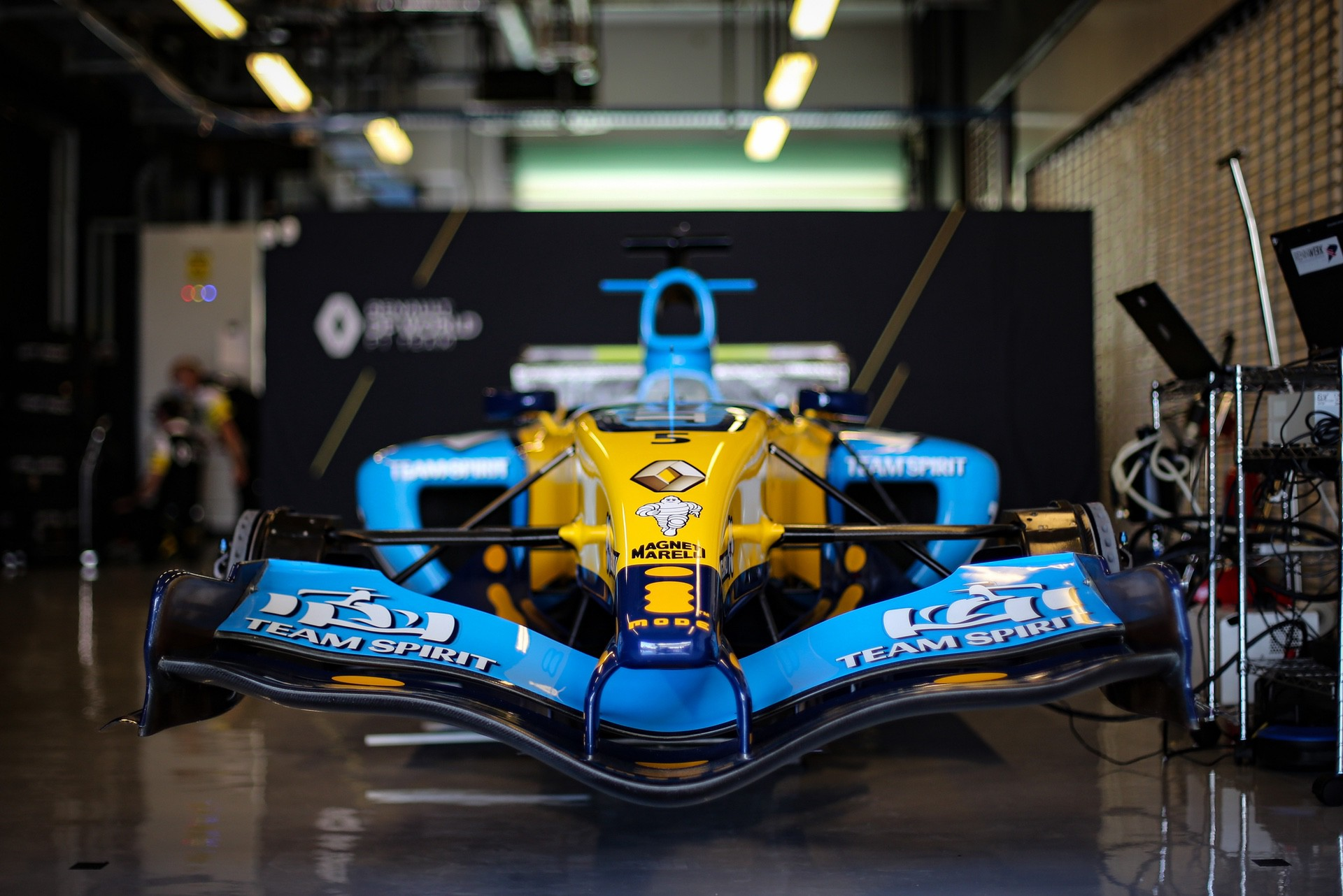 Alonso_Renault_RS25_0011