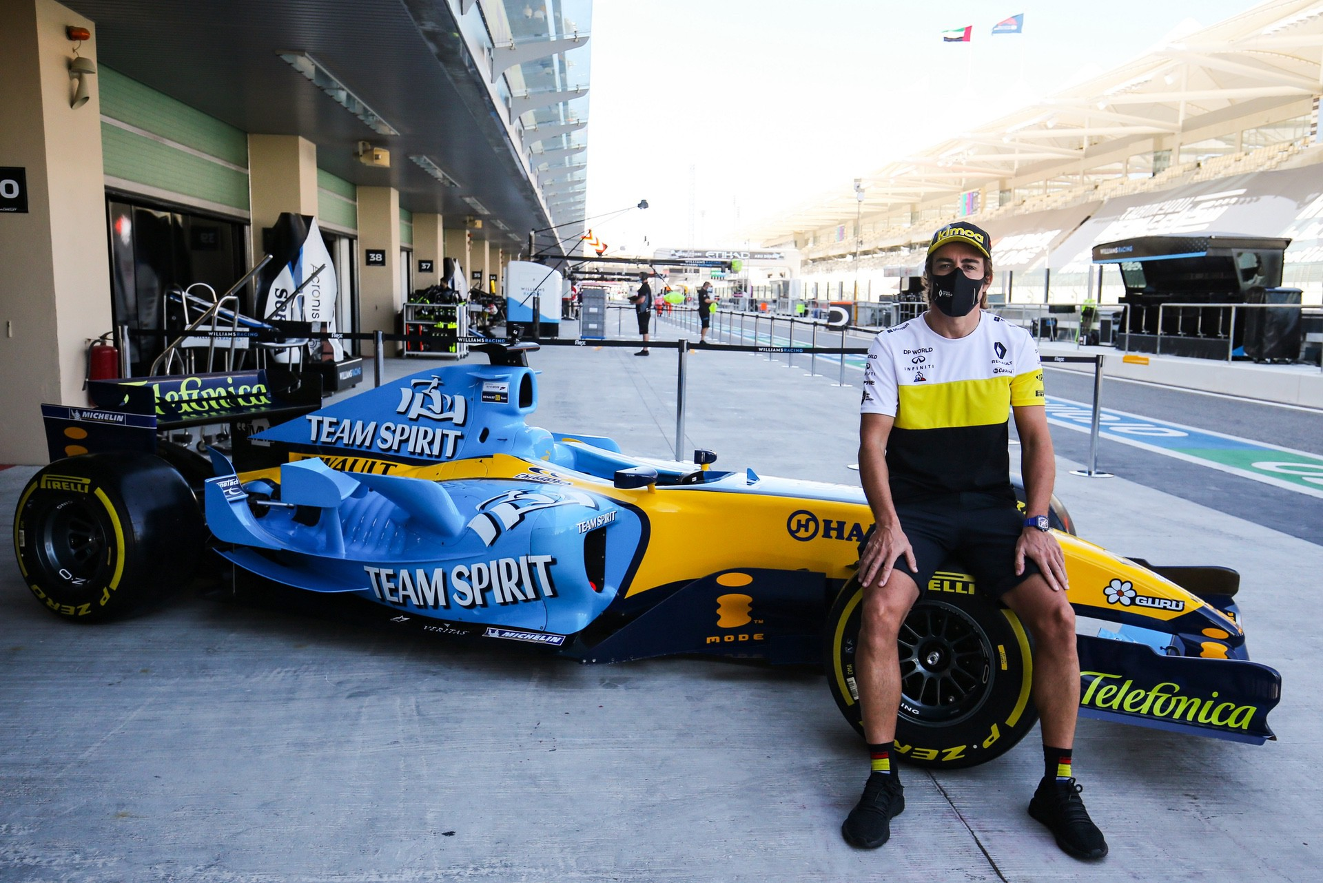 Alonso_Renault_RS25_0015