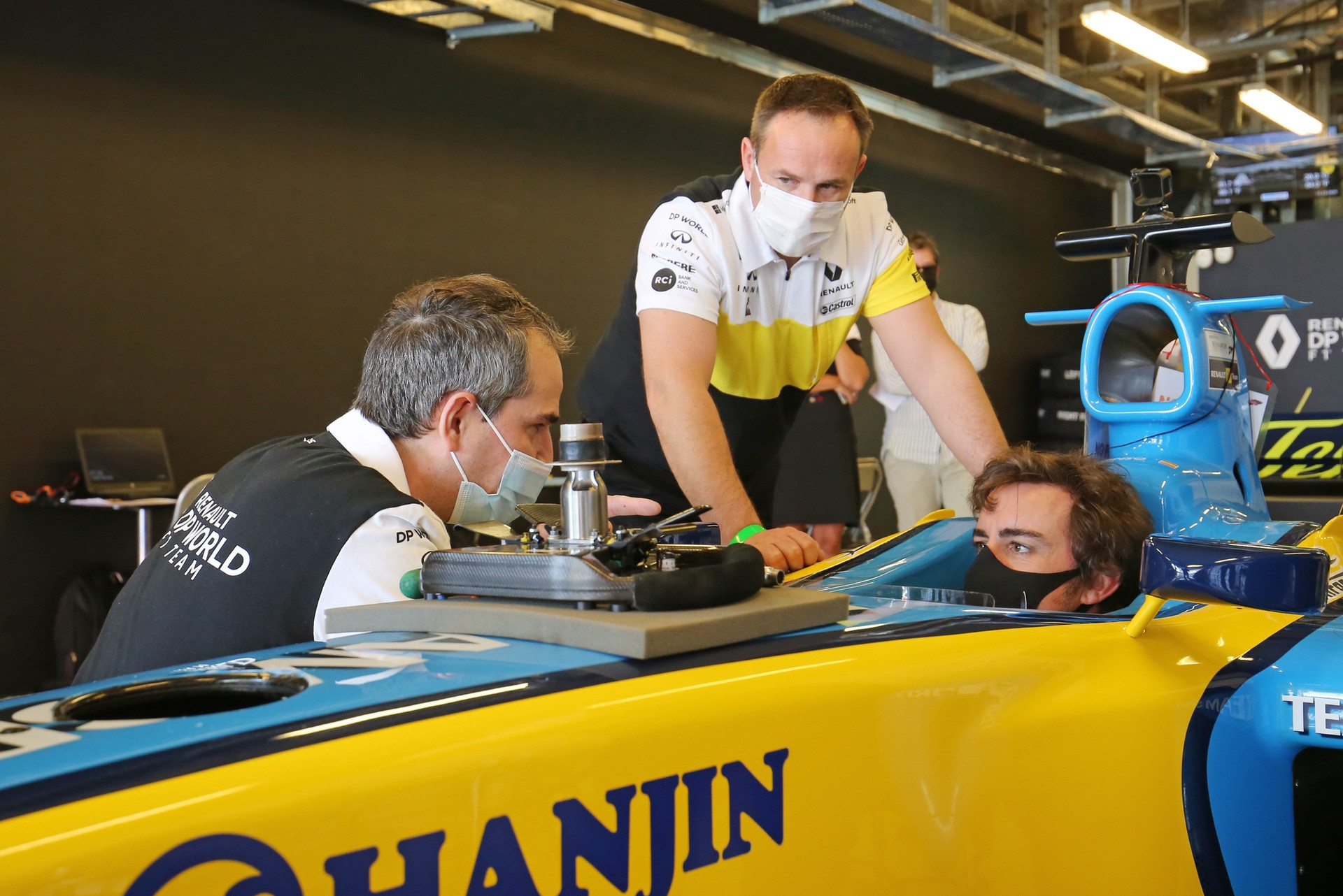 Alonso_Renault_RS25_0020