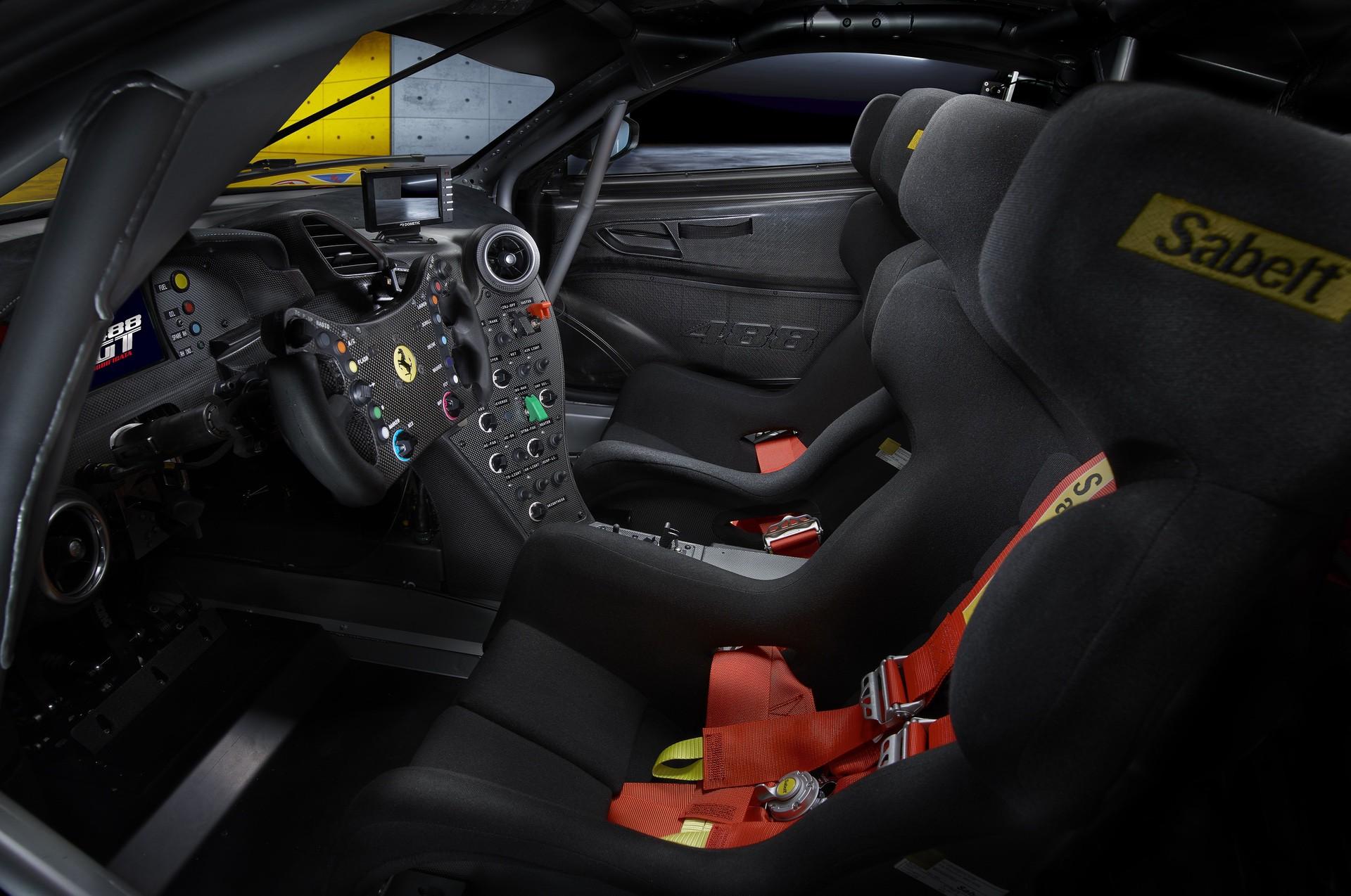 Ferrari_488_GT_Modificata_0005