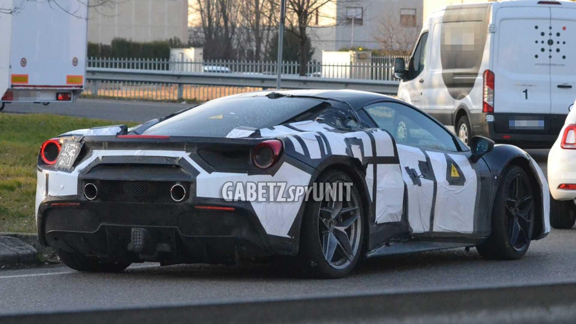 Ferrari_488_Hybrid_Mule_testing_0000