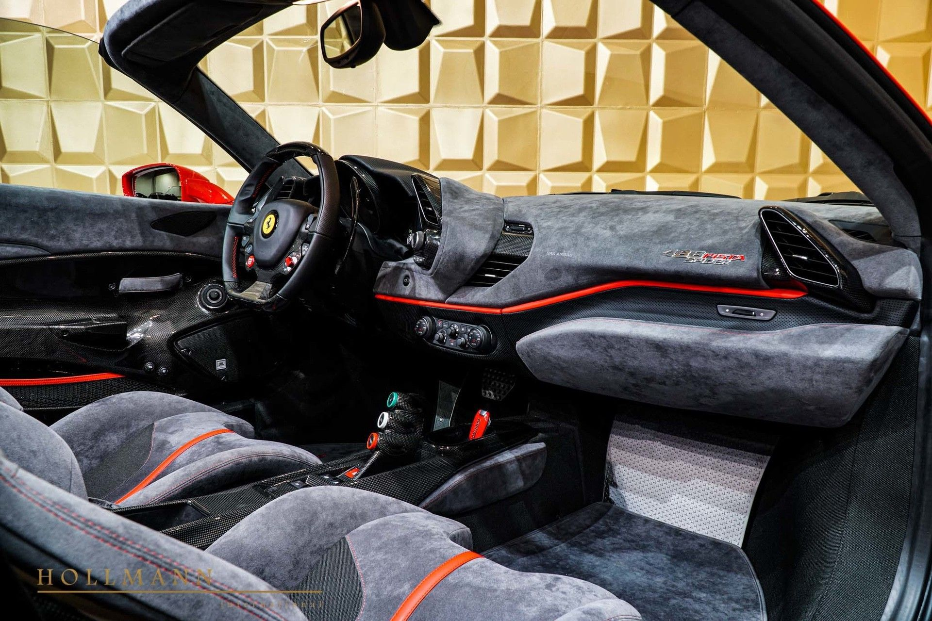Ferrari_488_Pista_Spider_sale_0011