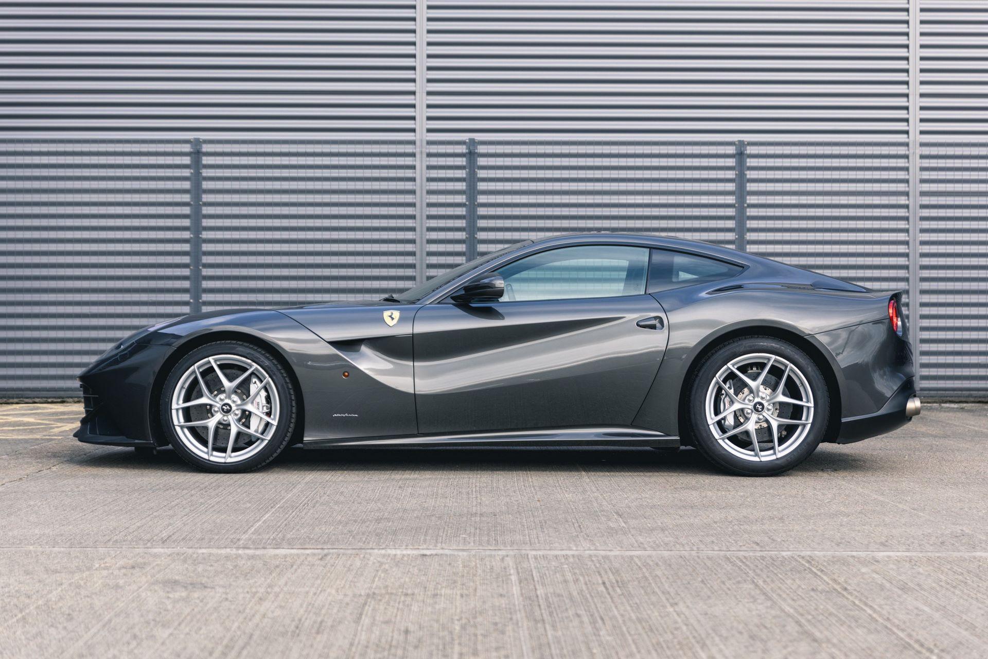 Ferrari-F12berlinetta-Chris-Harris-10