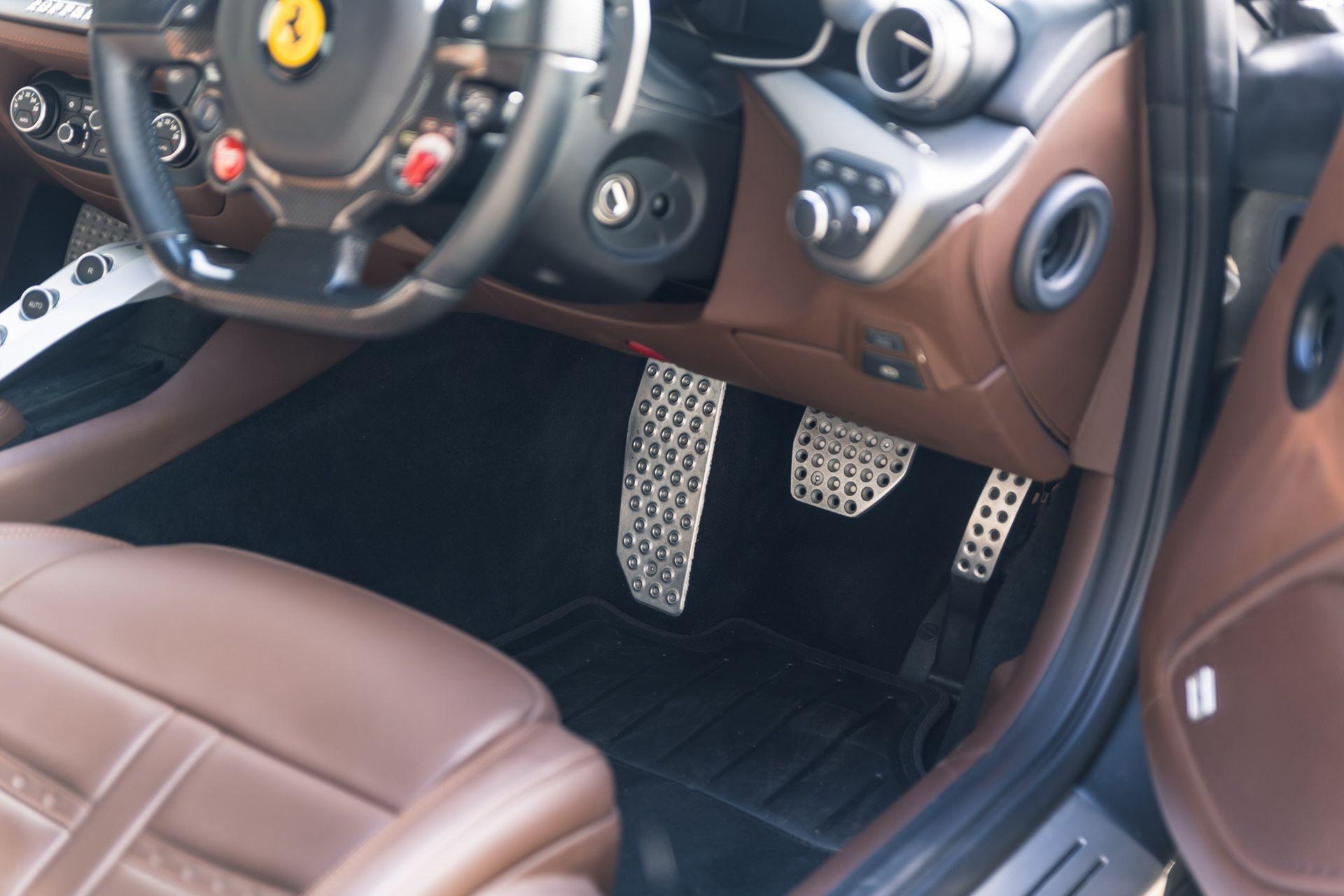 Ferrari-F12berlinetta-Chris-Harris-12