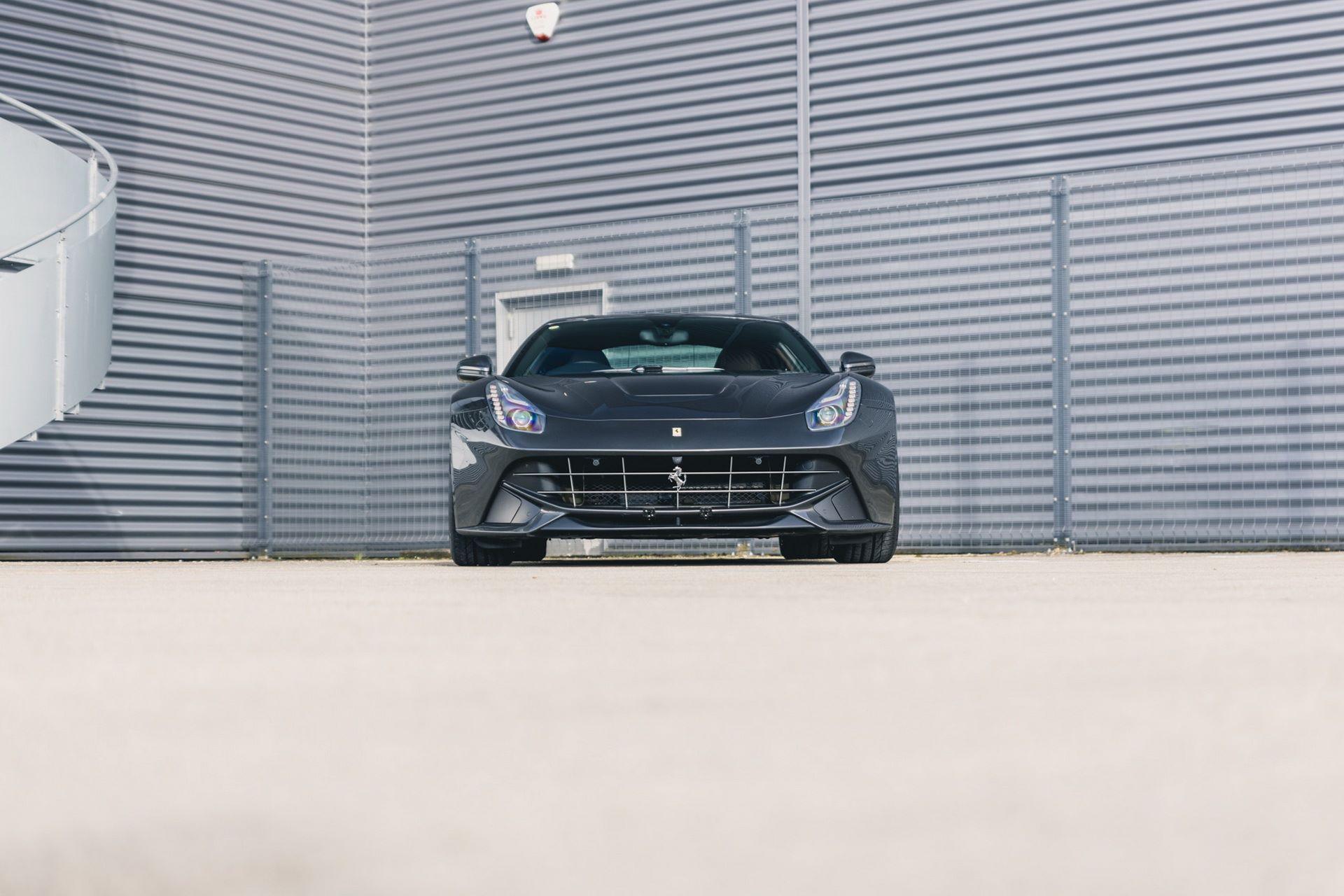 Ferrari-F12berlinetta-Chris-Harris-2