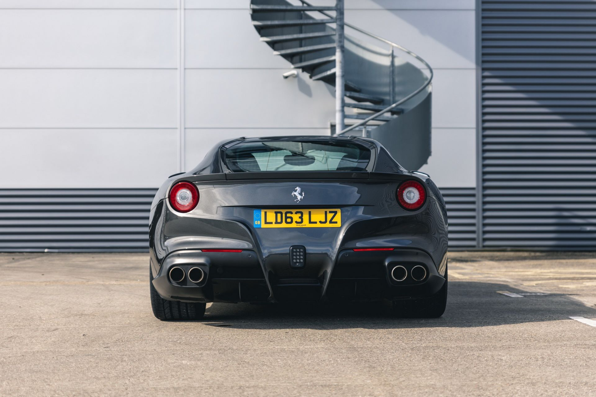 Ferrari-F12berlinetta-Chris-Harris-8