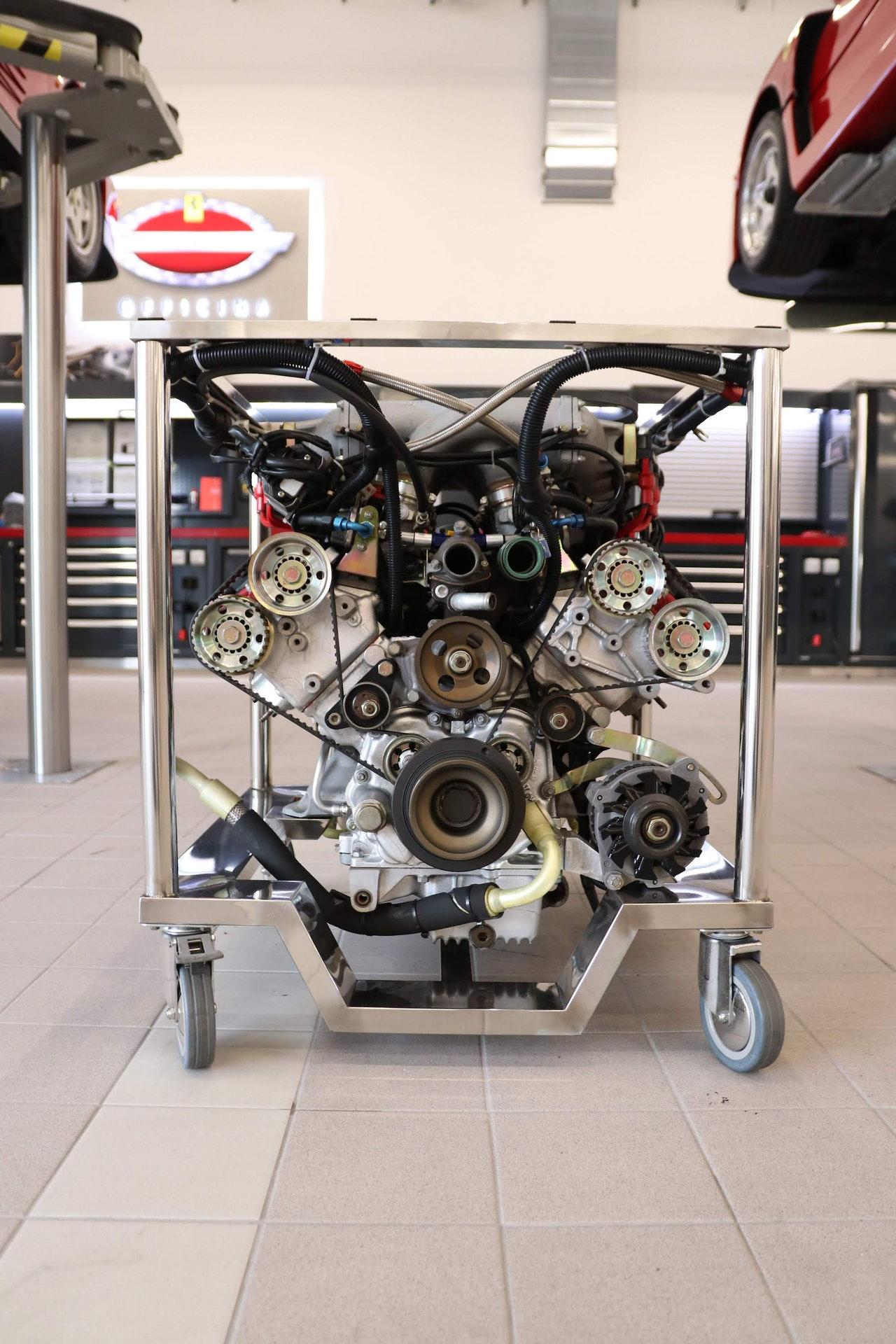 Ferrari_F40_Engine_0000