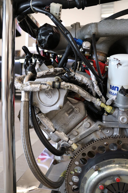 Ferrari_F40_Engine_0018