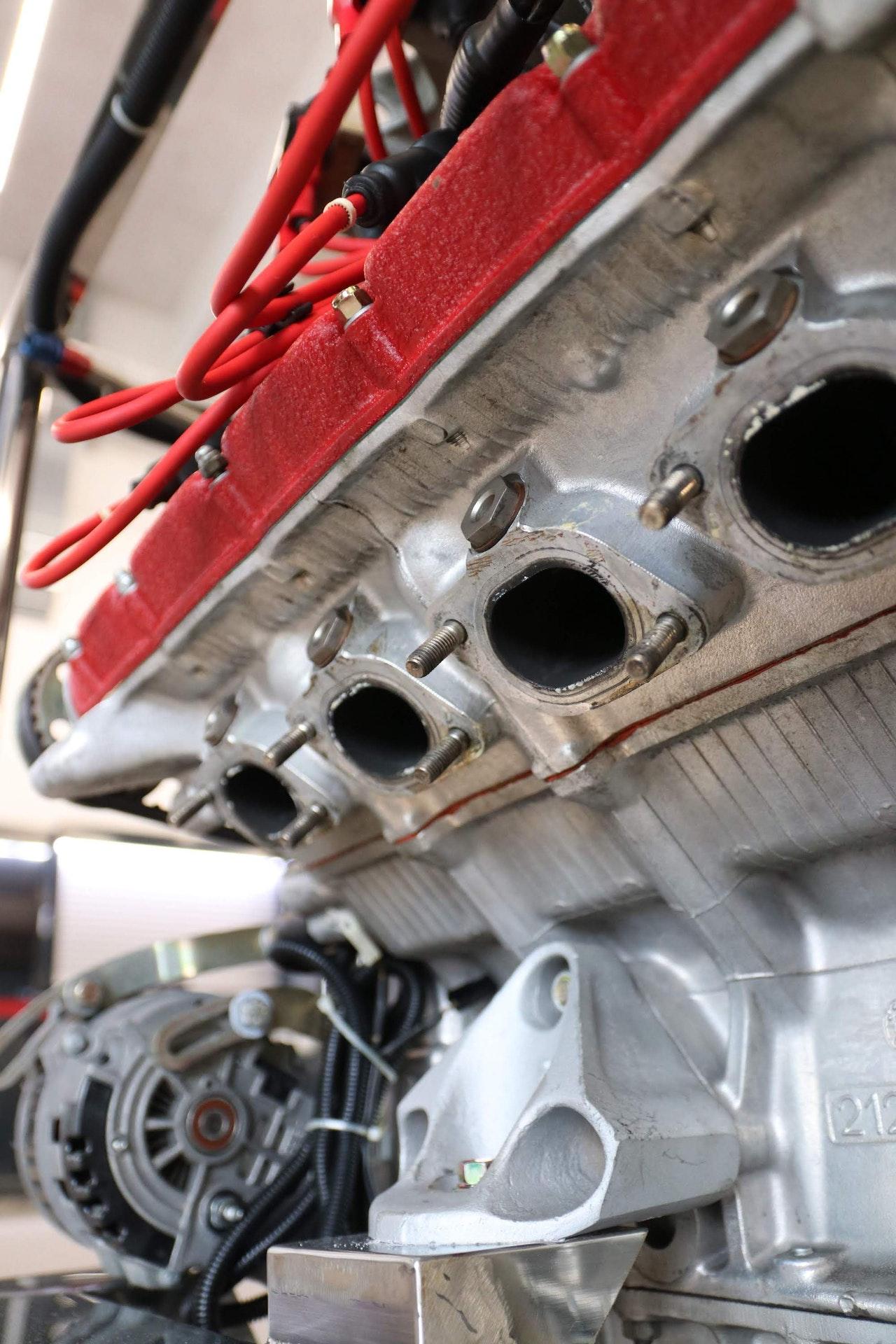 Ferrari_F40_Engine_0027