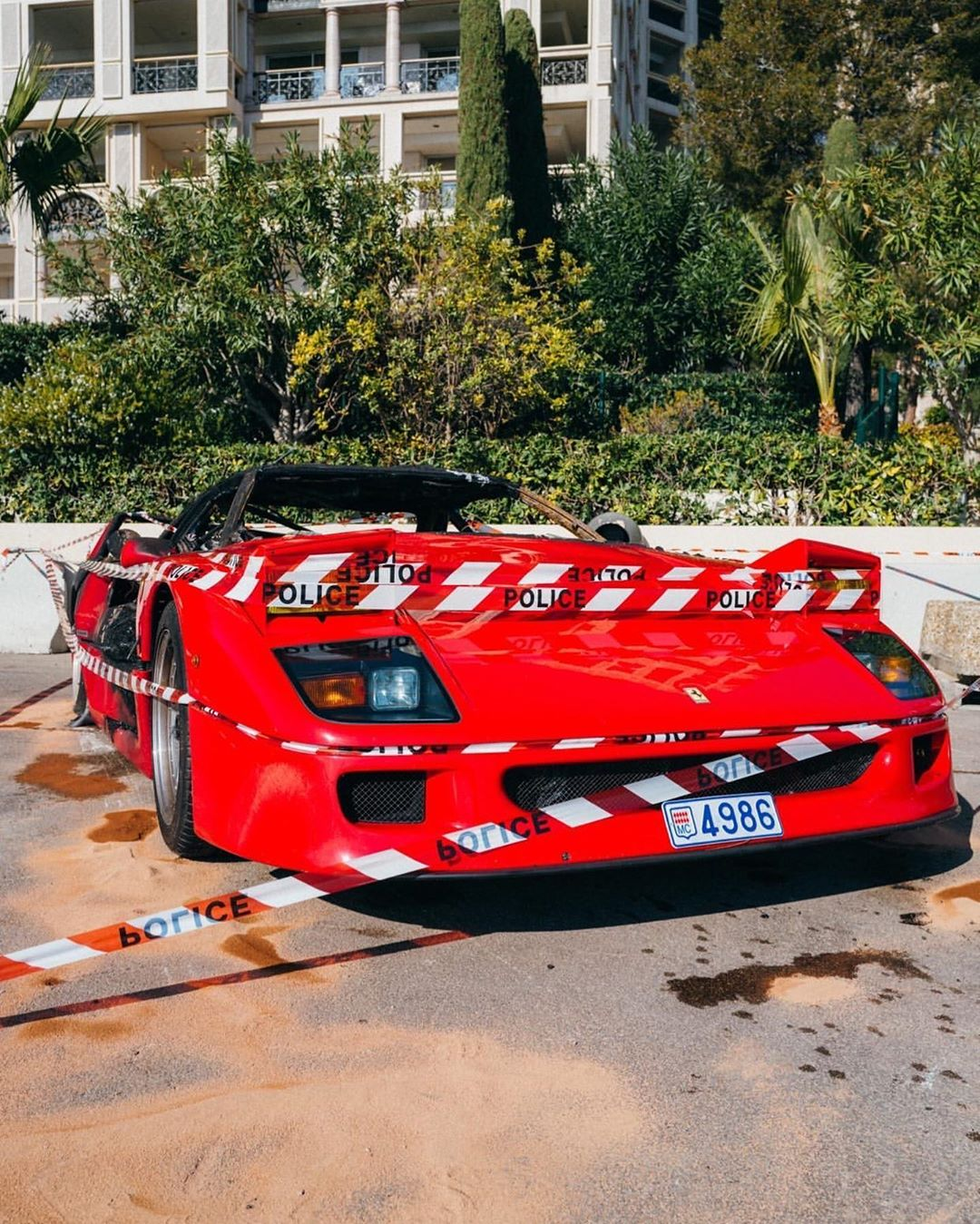Ferrari_F40_fire_photos_0002