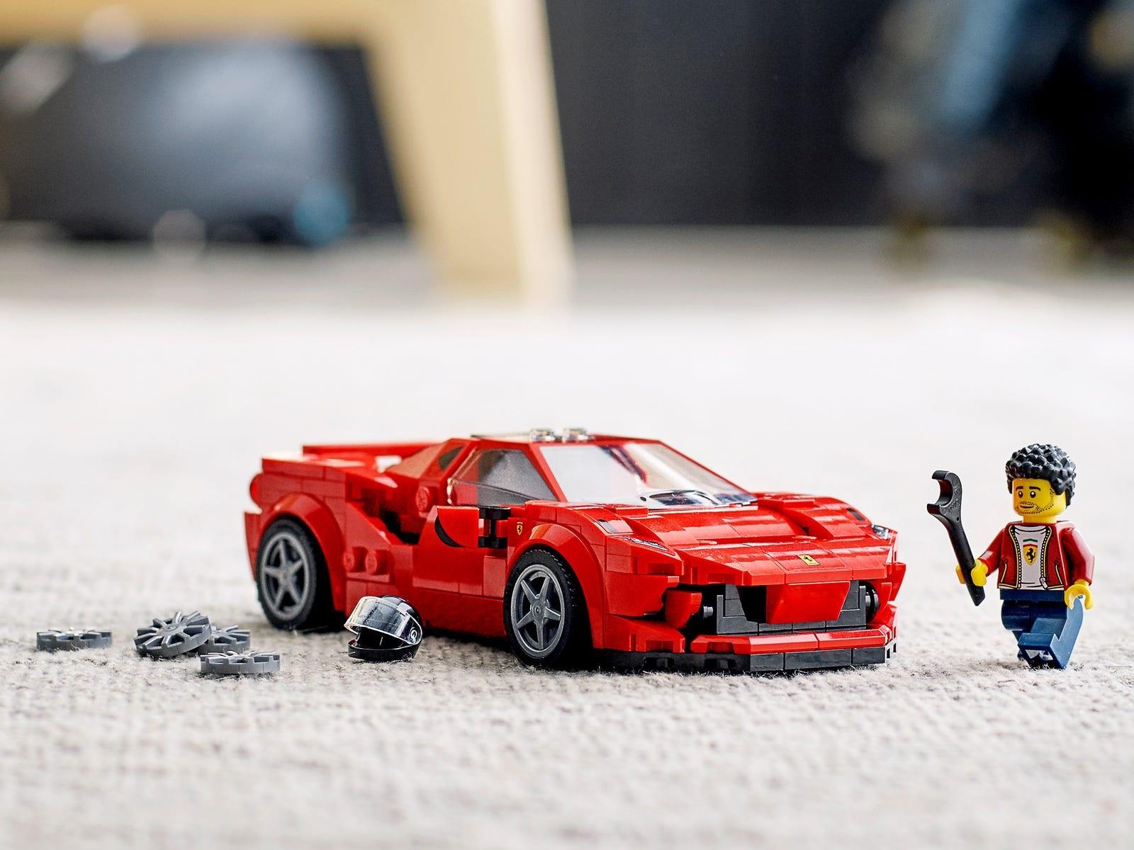 Η Ferrari F8 Tributo από τουβλάκια της Lego - Autoblog.gr
