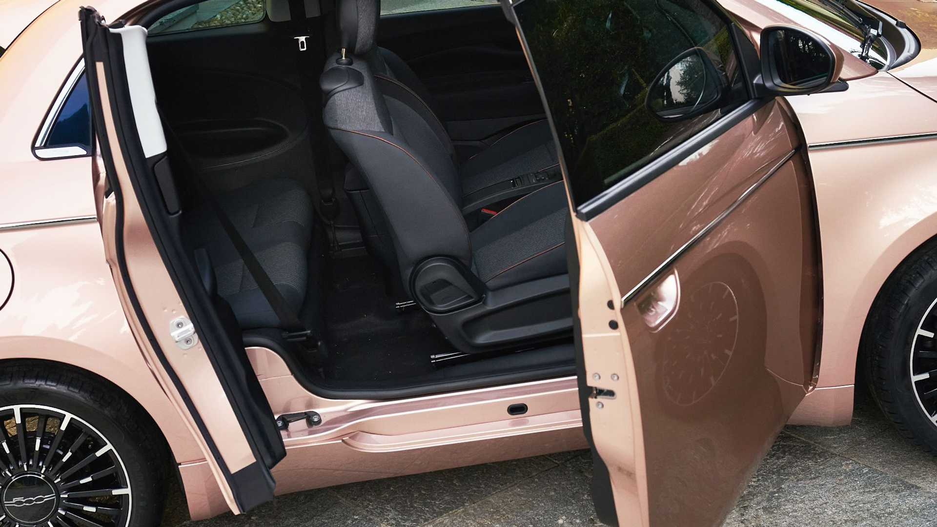 Fiat-500-Electric-31-11