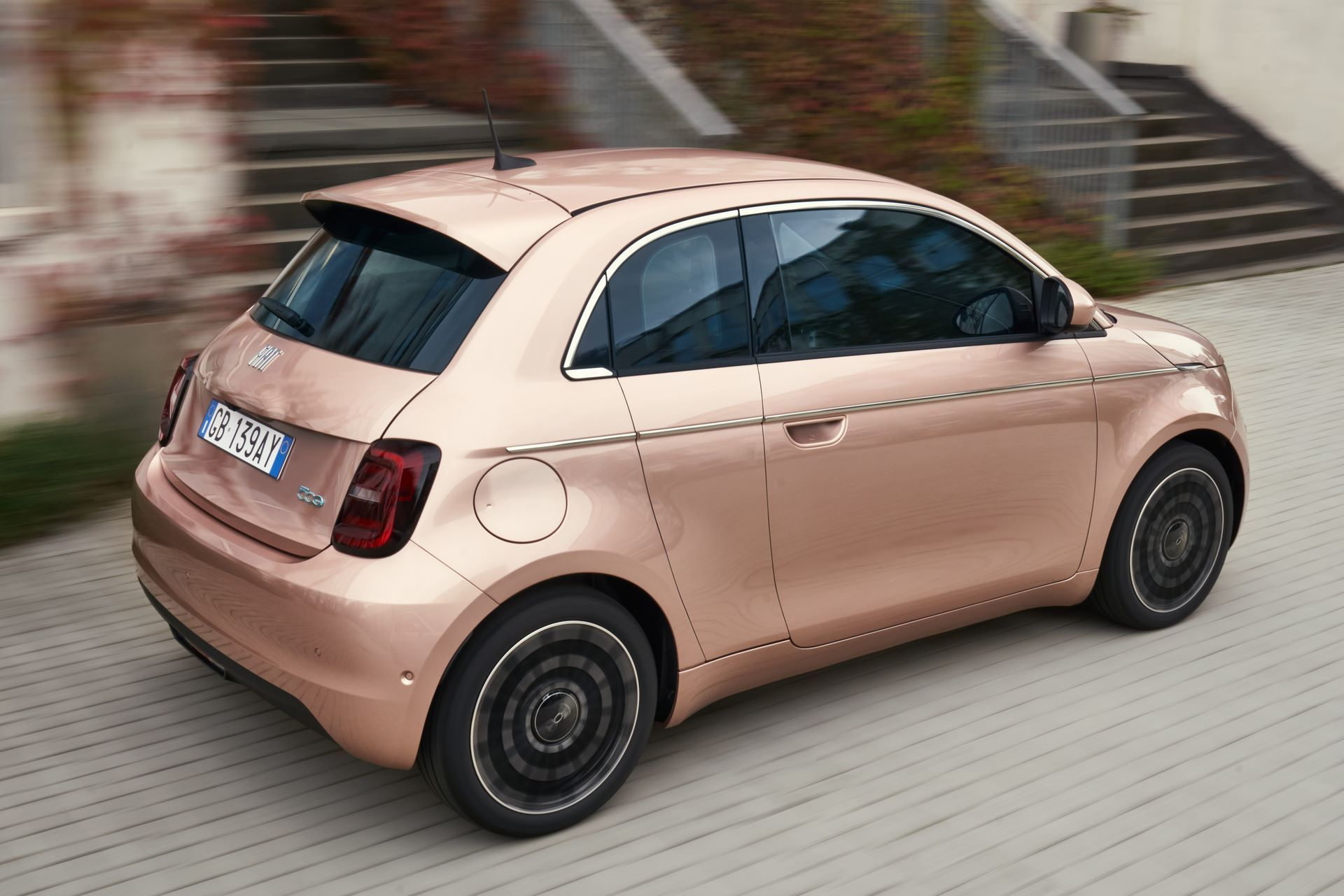 Fiat-500-Electric-31-27