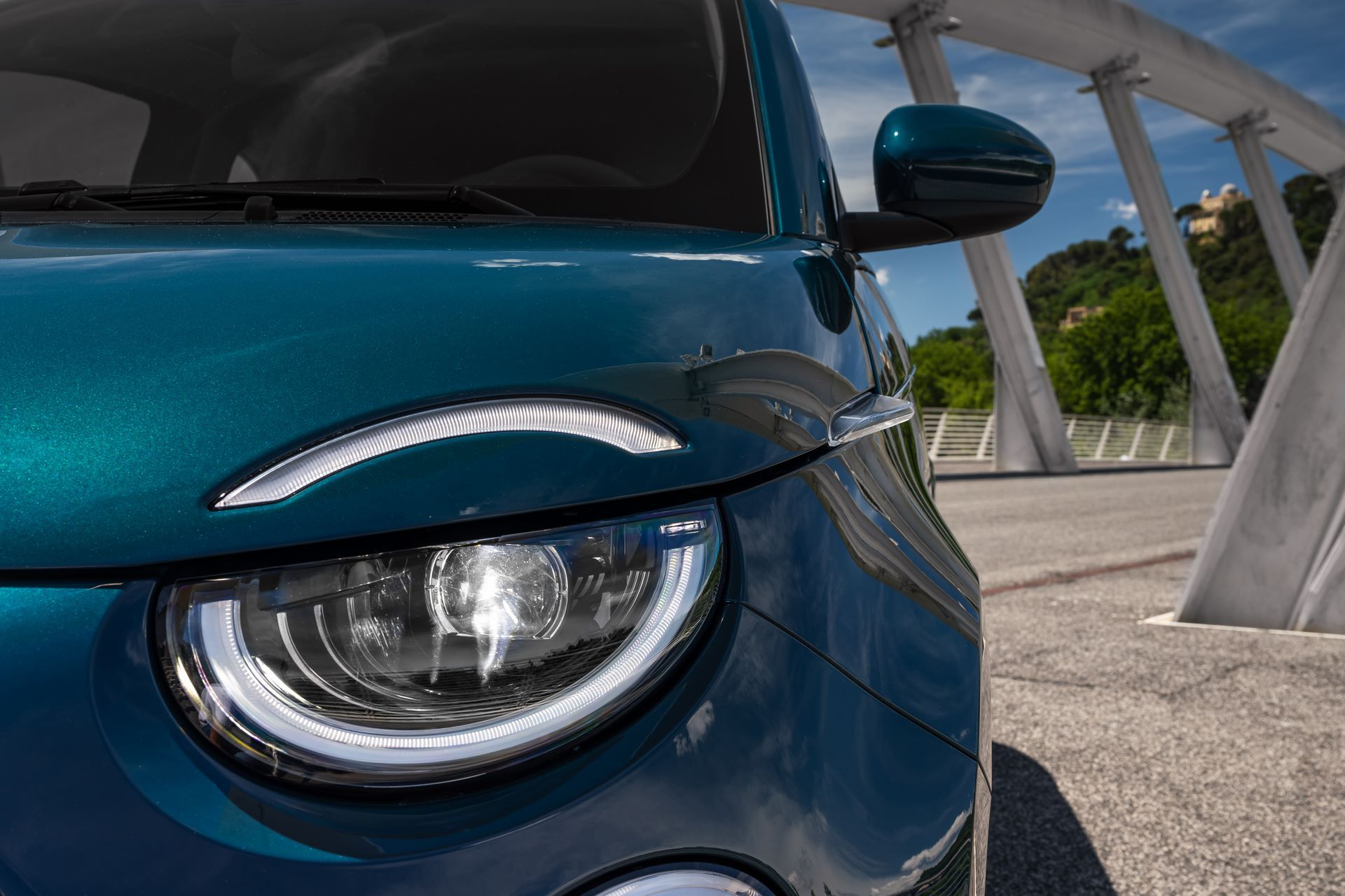 Fiat-500-Electric-hatchback-la-prima-13