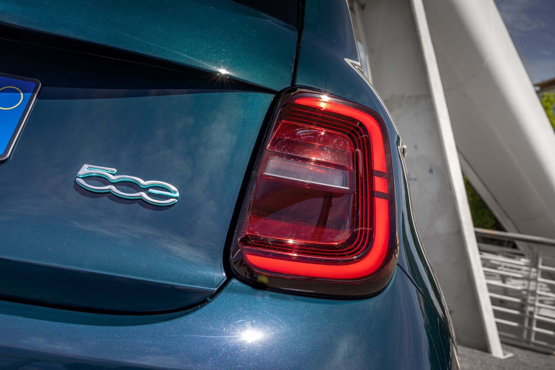 Fiat-500-Electric-hatchback-la-prima-15
