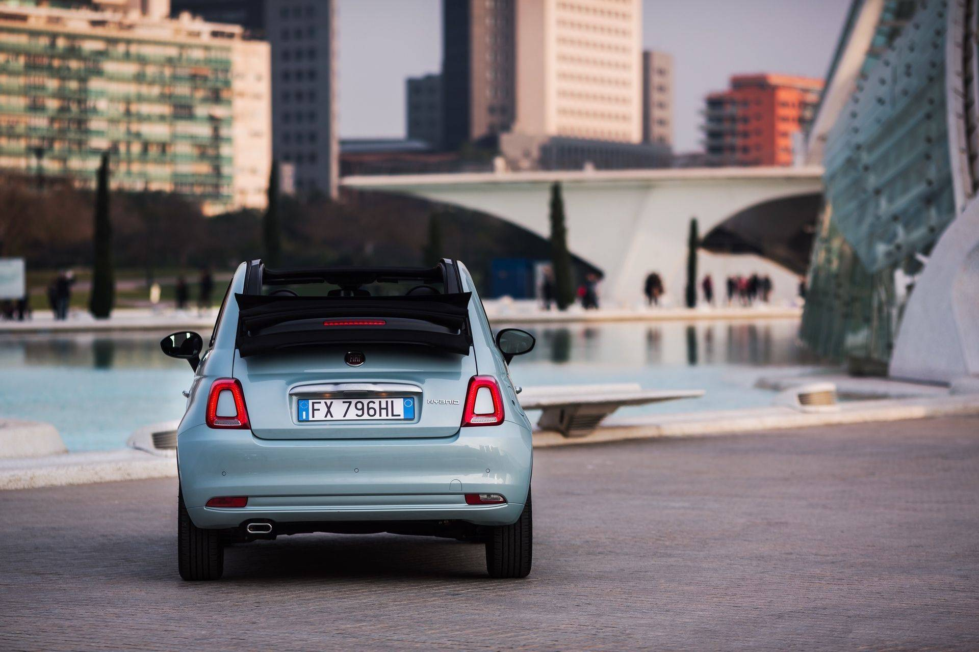 200108_Fiat-500-Hybrid_02