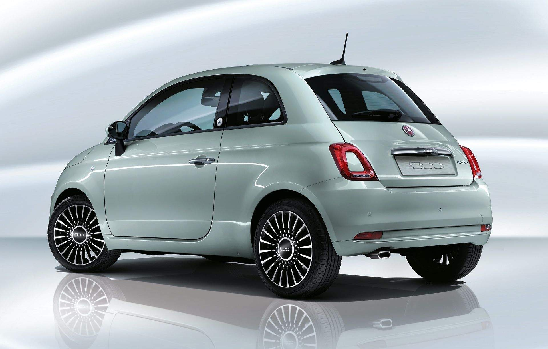 200108_Fiat_500-Hybrid-Launch-Edition_05