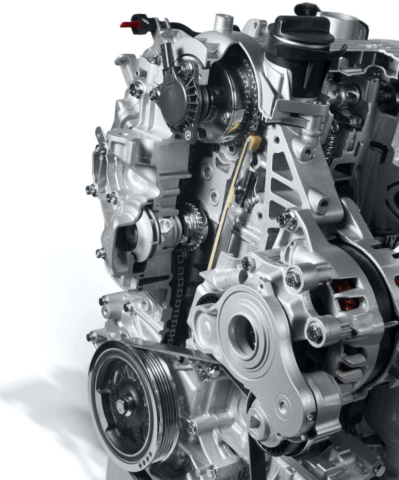200108_Fiat_Mild-Hybrid-Engine_21