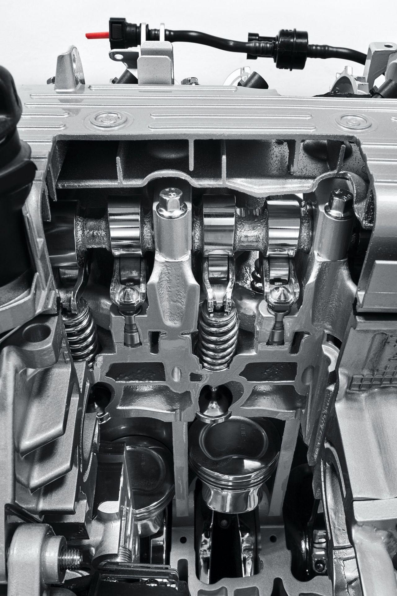 200108_Fiat_Mild-Hybrid-Engine_24