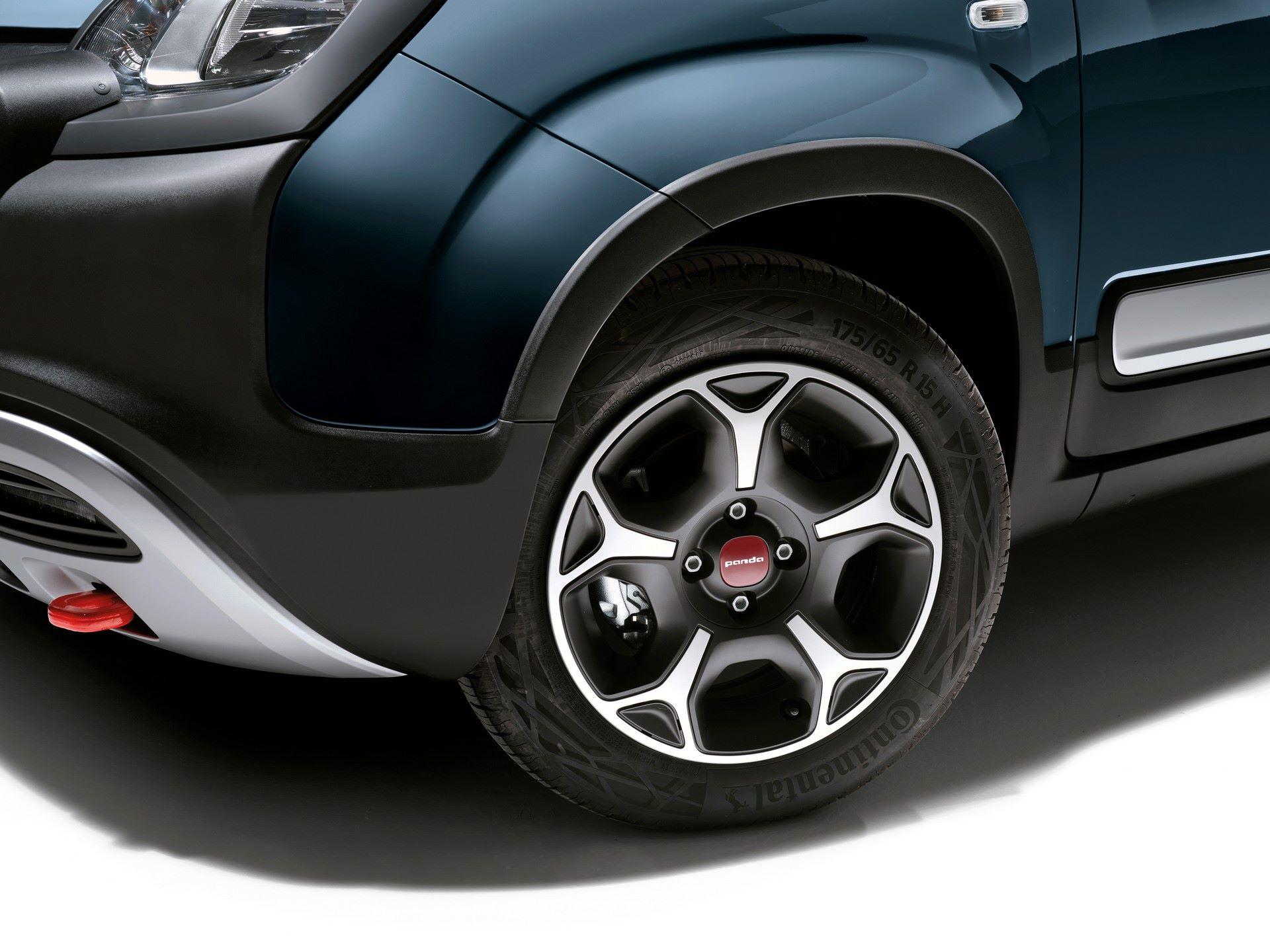 Fiat-Panda-2021-13