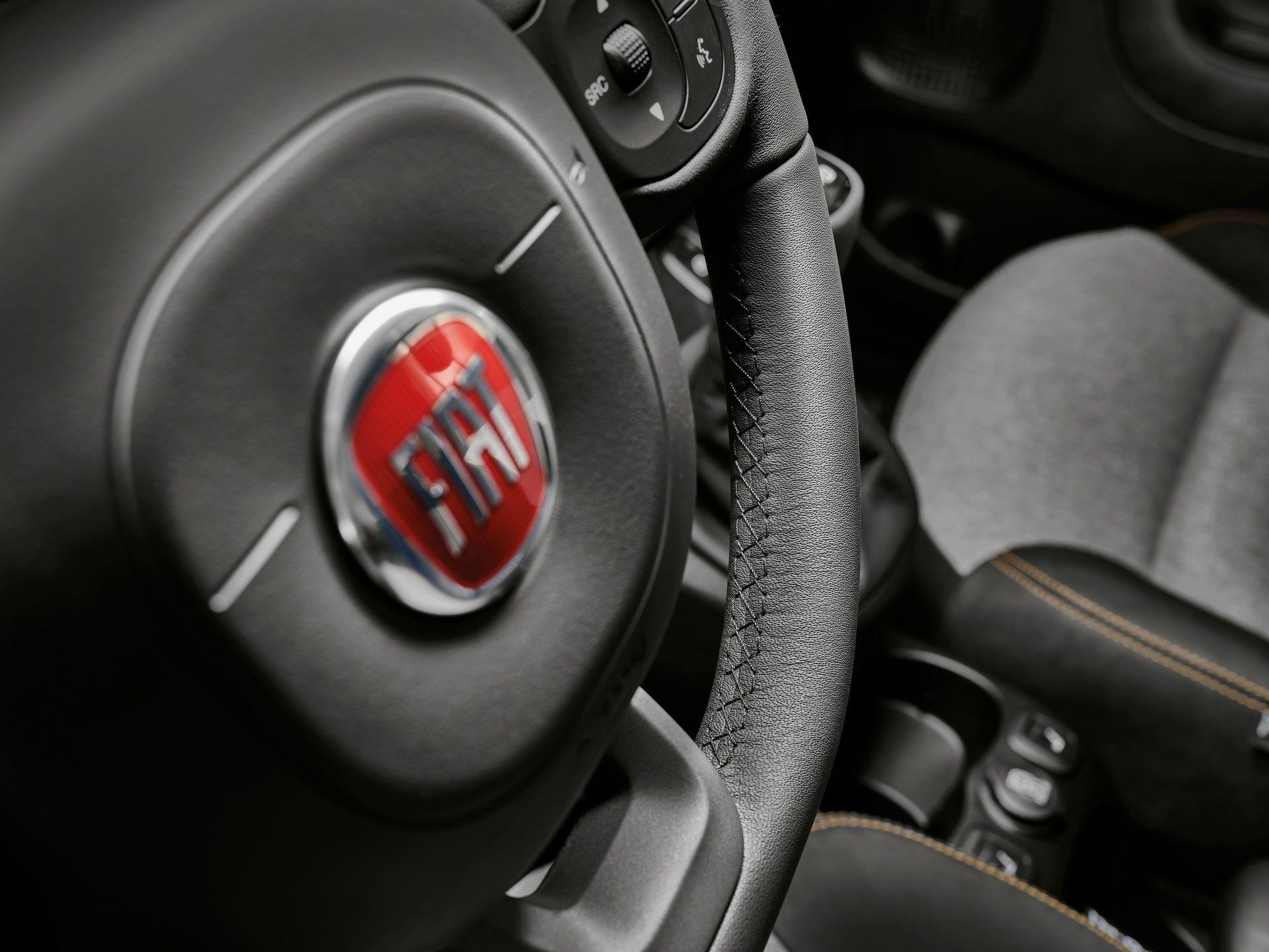 Fiat-Panda-2021-23