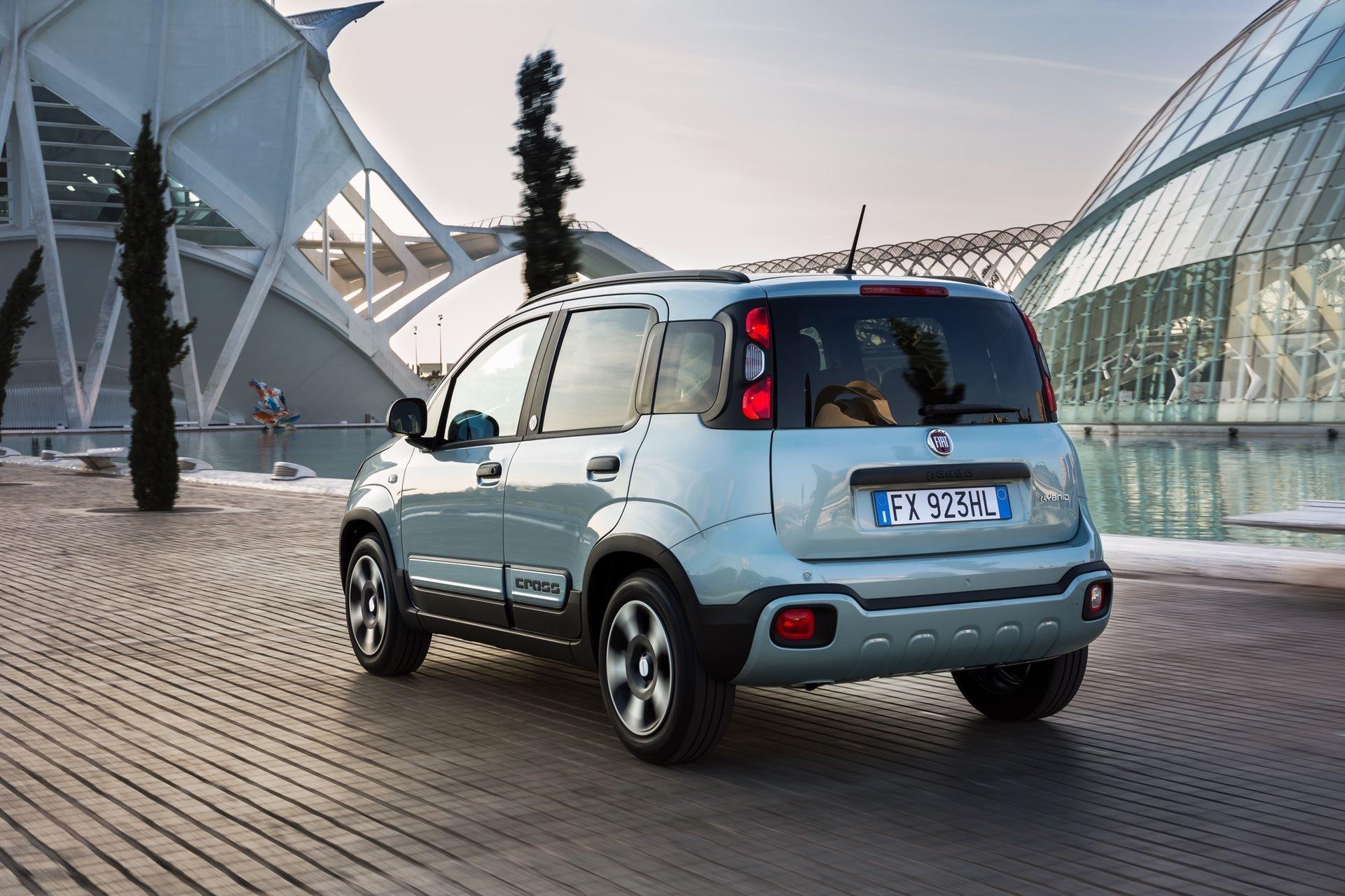 Fiat_Panda-Hybrid_01-14