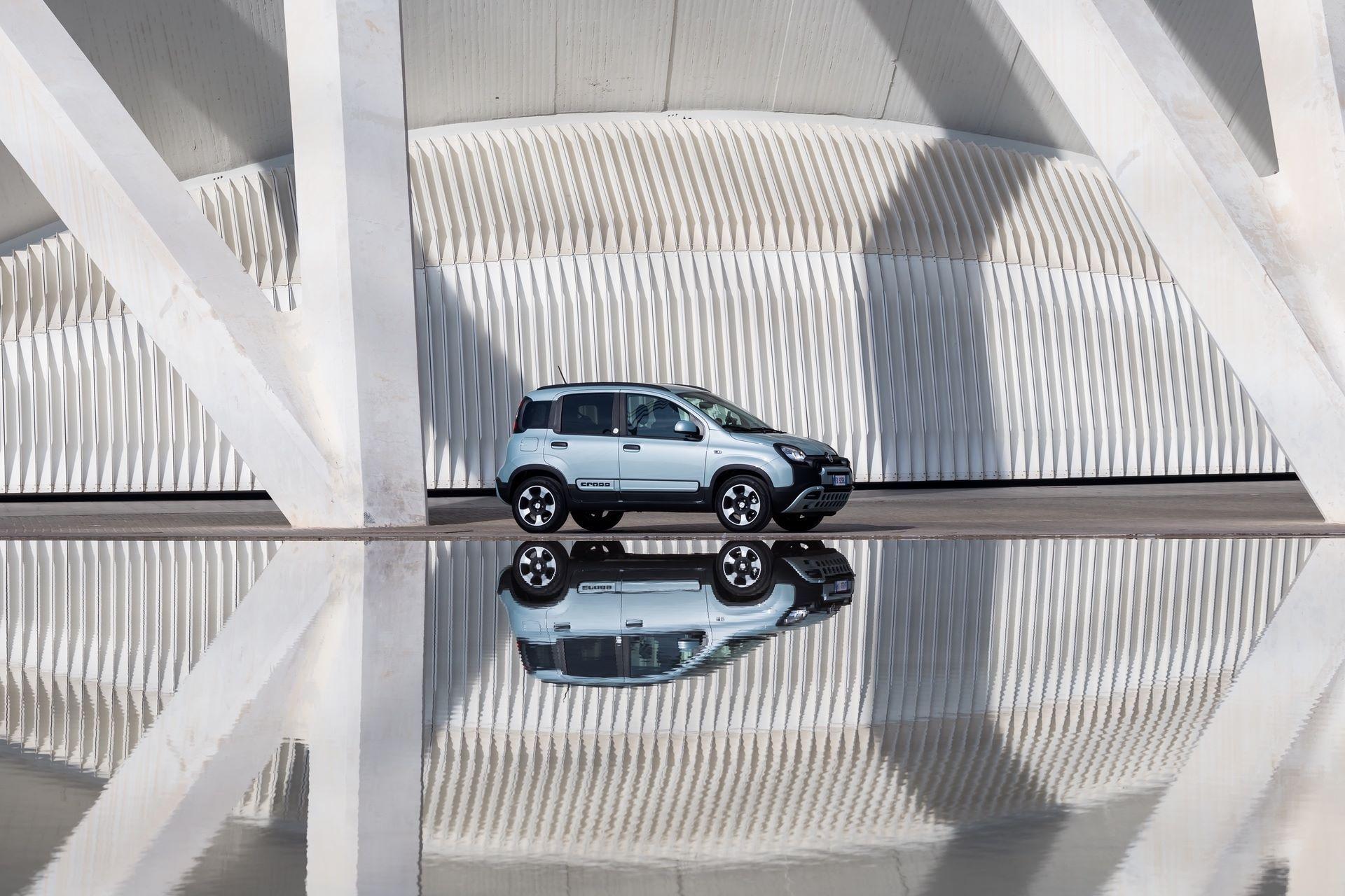 Fiat_Panda-Hybrid_01-15