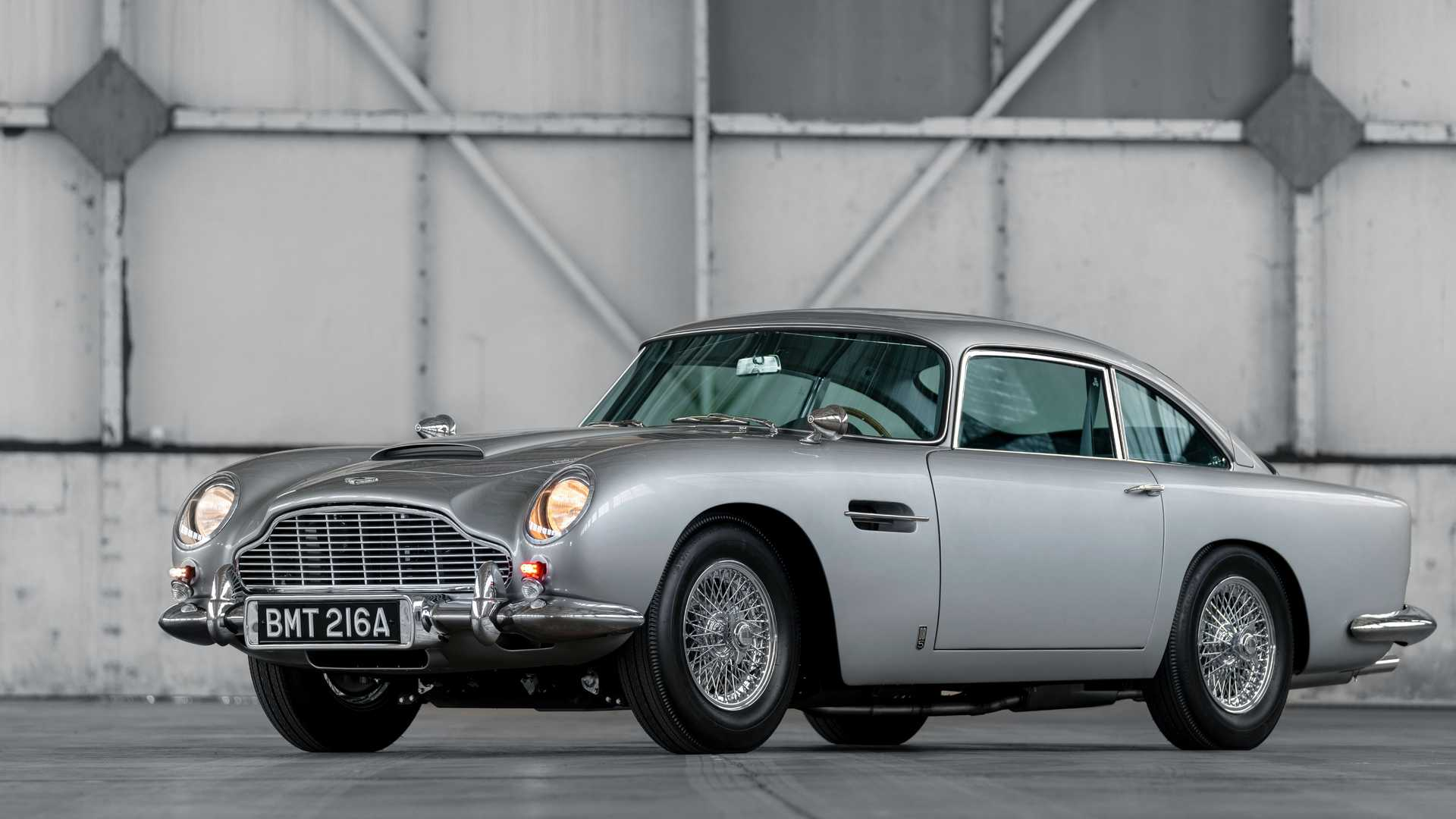 First-5-Aston-Martin-DB5-continuation-cars-9