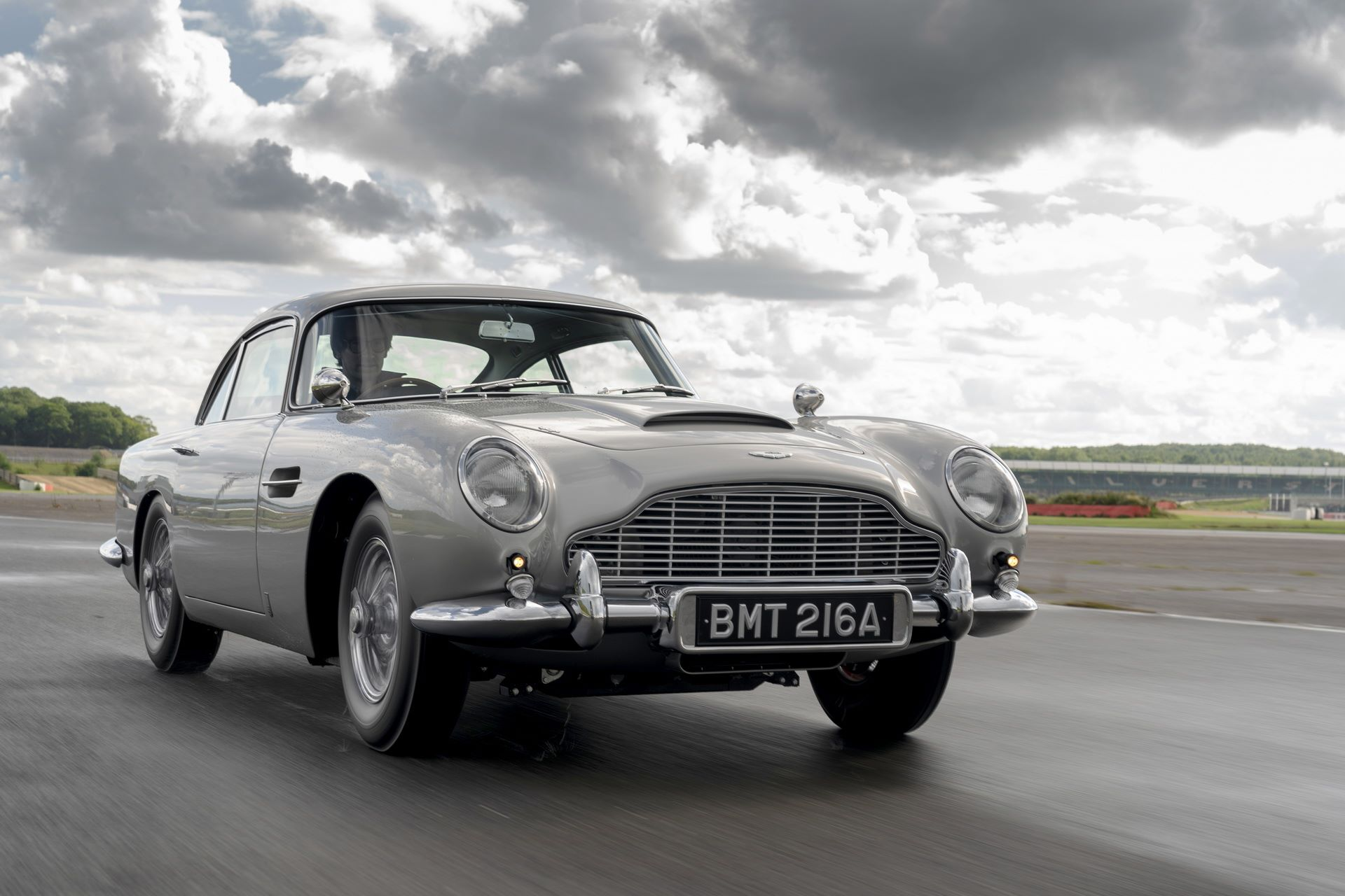 First-Aston-Martin-DB5-Goldfinger-continuation-1