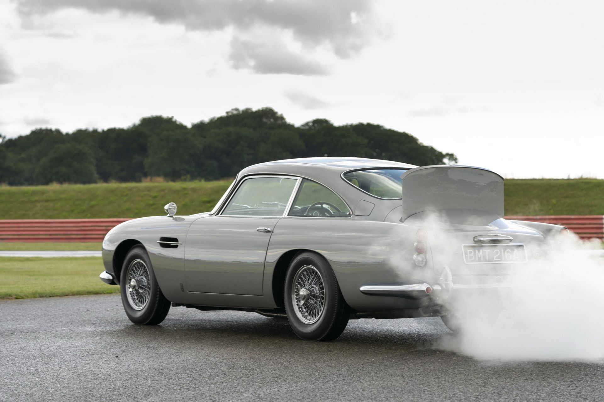 First-Aston-Martin-DB5-Goldfinger-continuation-10