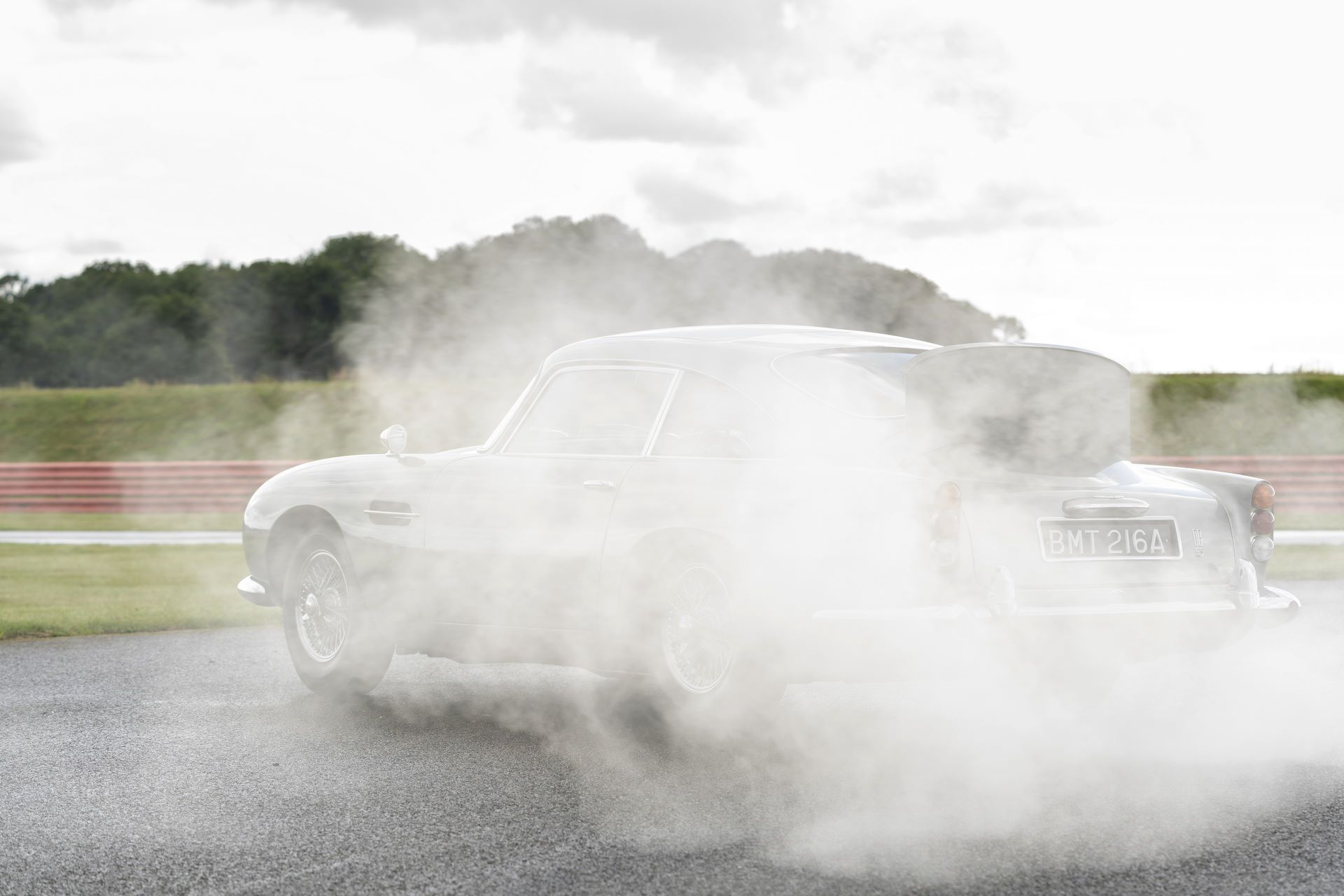 First-Aston-Martin-DB5-Goldfinger-continuation-11