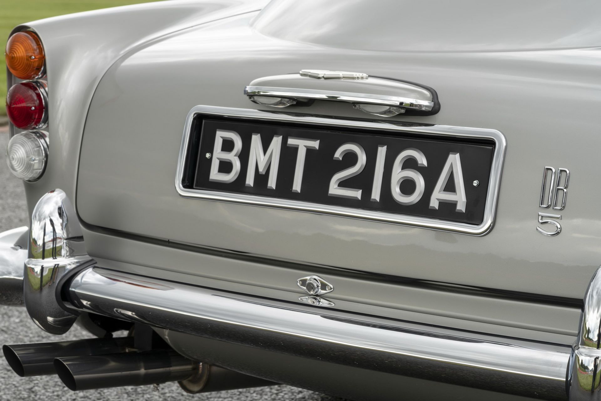 First-Aston-Martin-DB5-Goldfinger-continuation-17