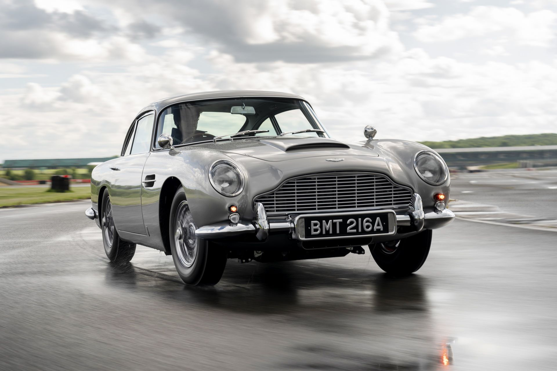 First-Aston-Martin-DB5-Goldfinger-continuation-2