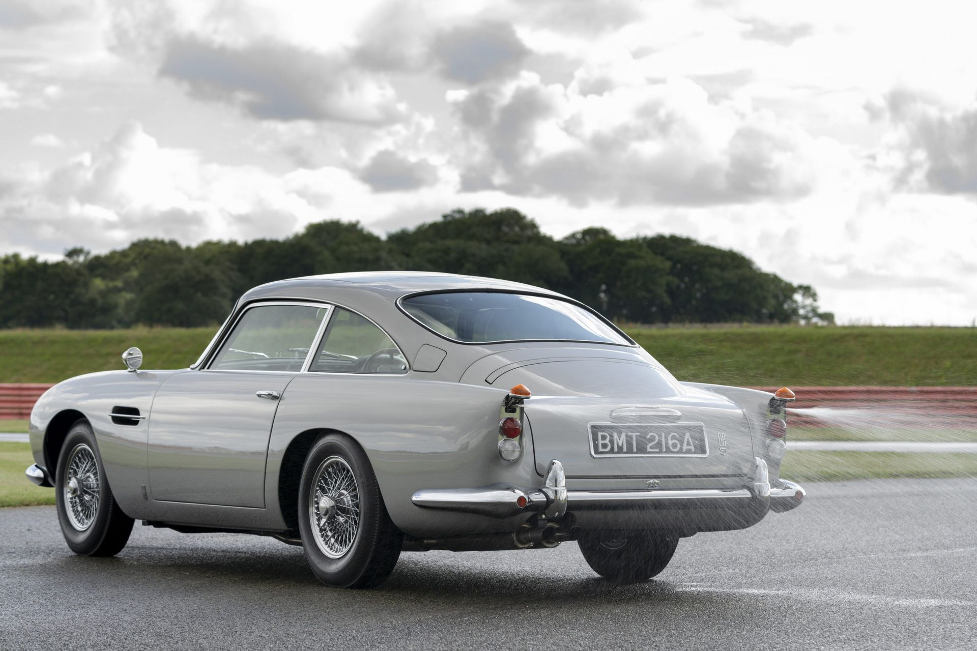 First-Aston-Martin-DB5-Goldfinger-continuation-22