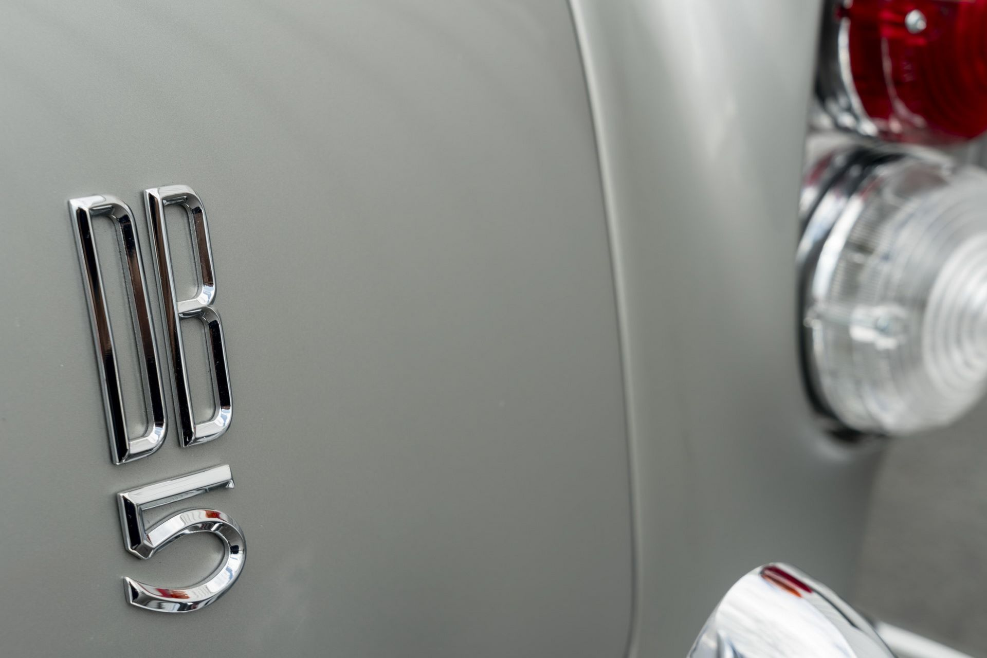 First-Aston-Martin-DB5-Goldfinger-continuation-28