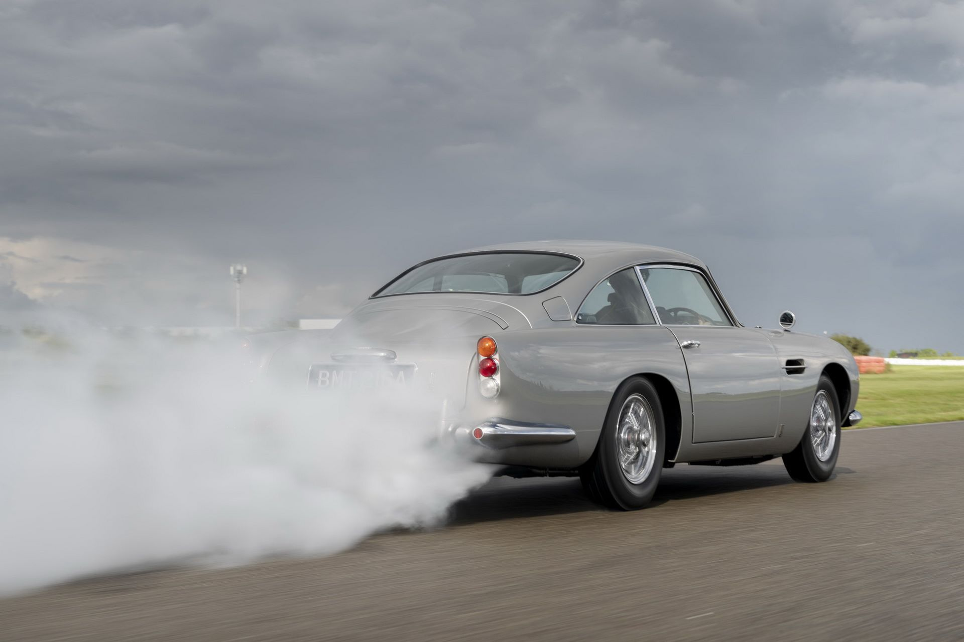 First-Aston-Martin-DB5-Goldfinger-continuation-3