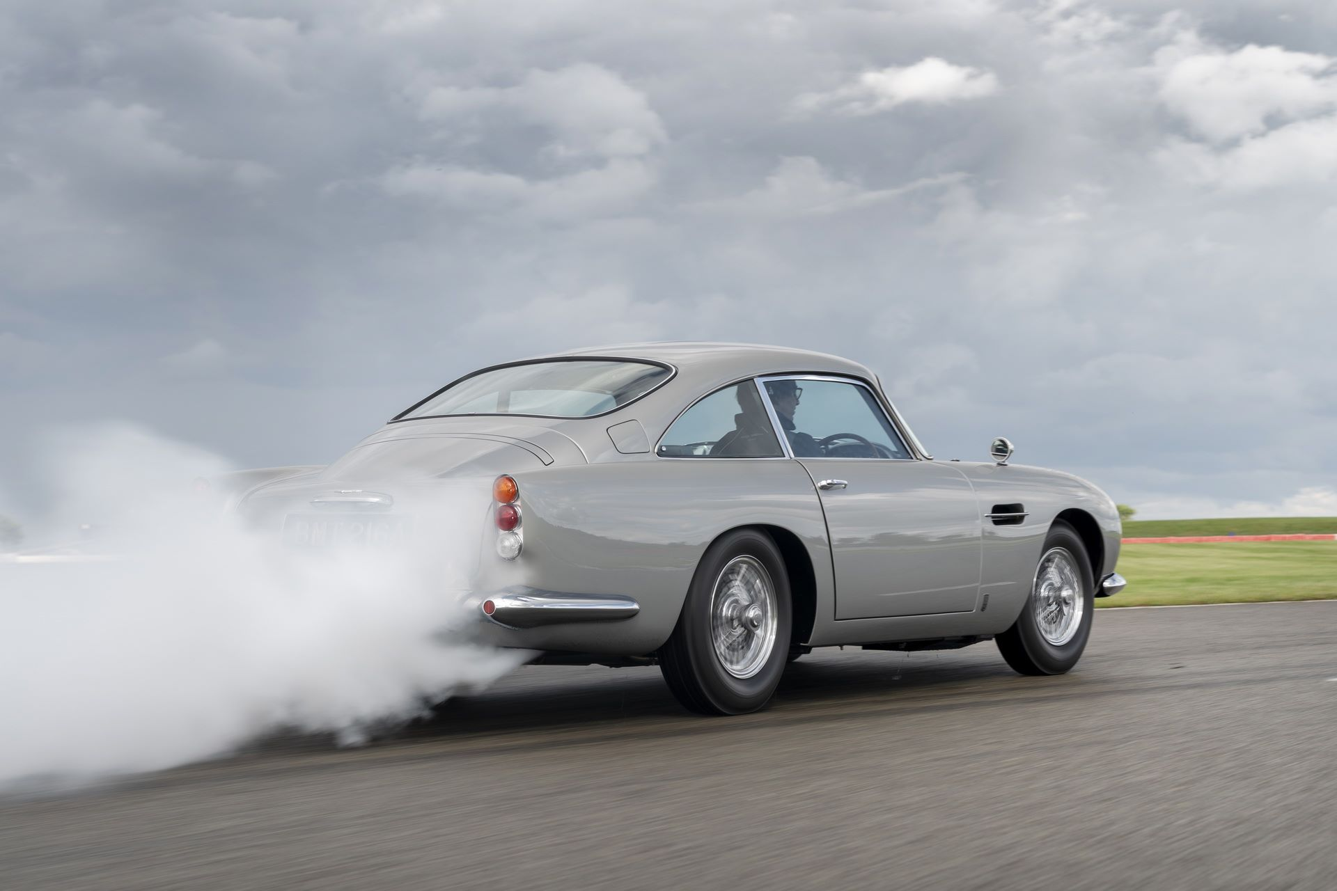 First-Aston-Martin-DB5-Goldfinger-continuation-4