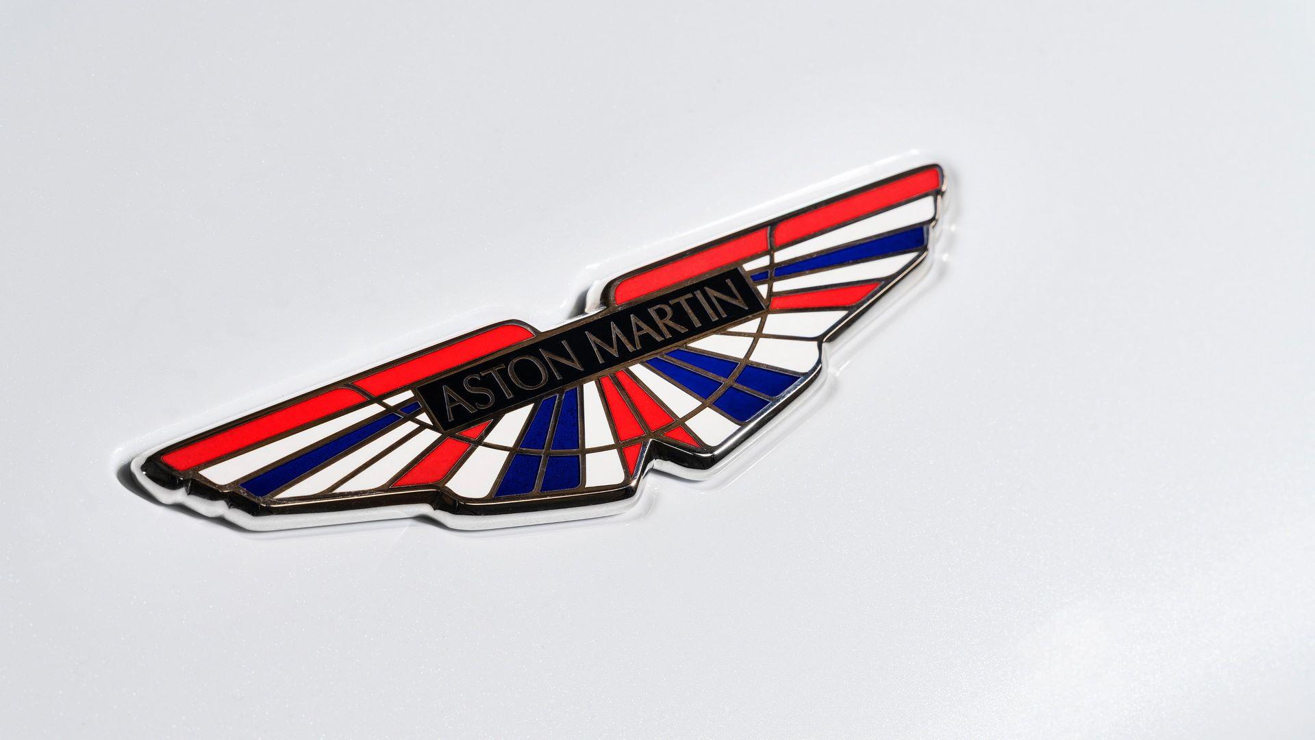 2021-aston-martin-dbs-superleggera-concorde-edition-3-logo